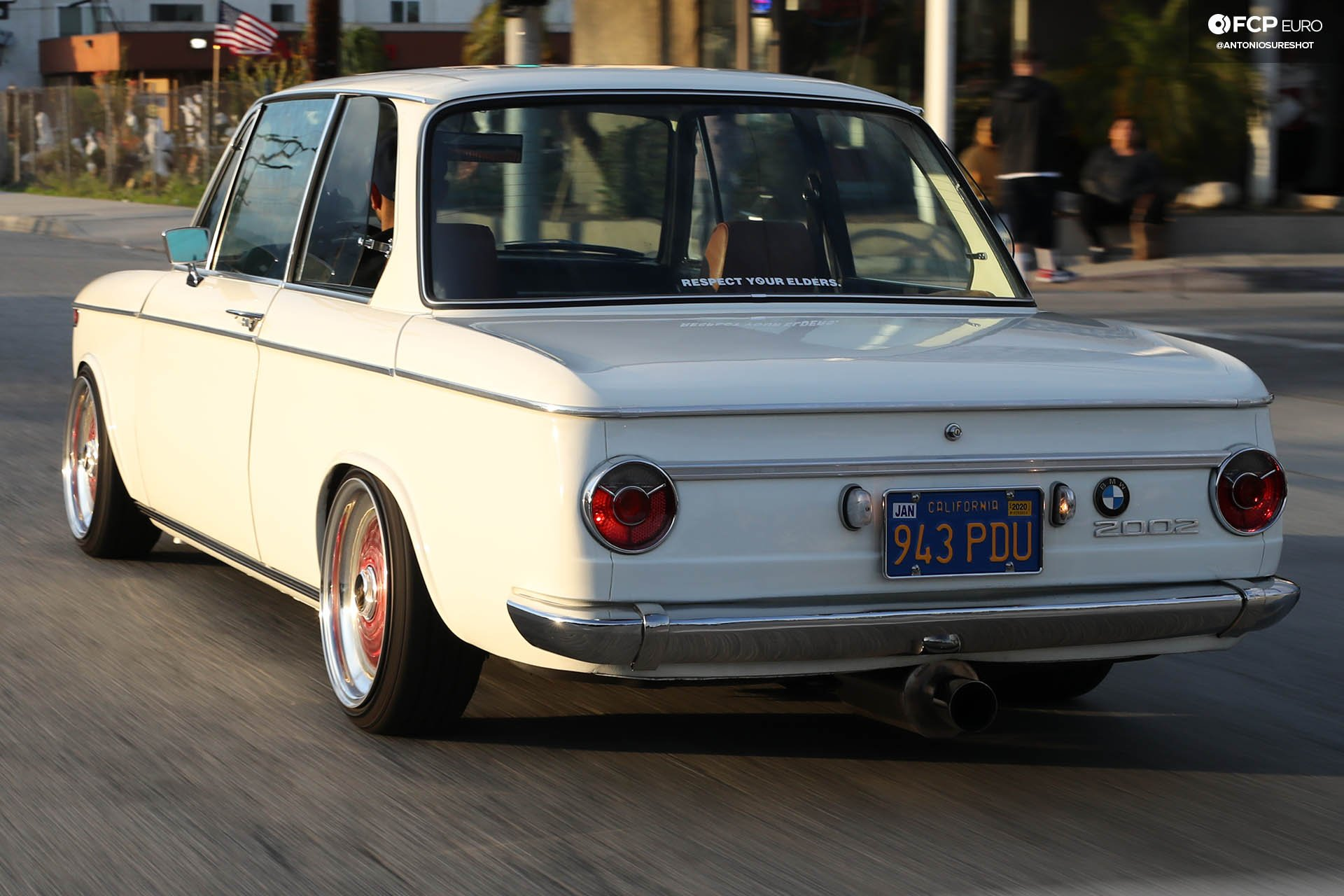 Bougie Boosted Bavarian: Tony's Turbocharged BMW 2002