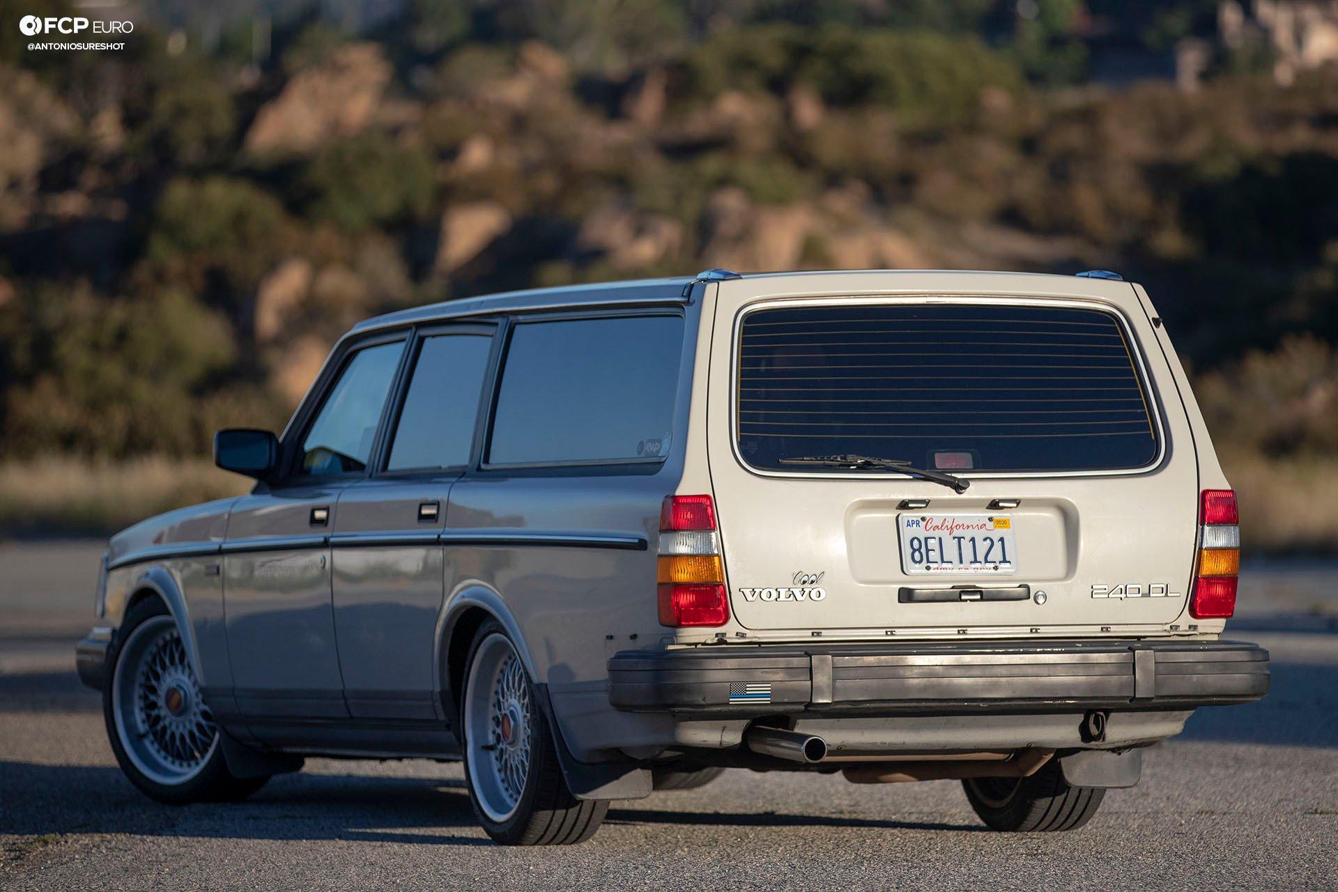 Volvo 245 Wagon Rear 3/4