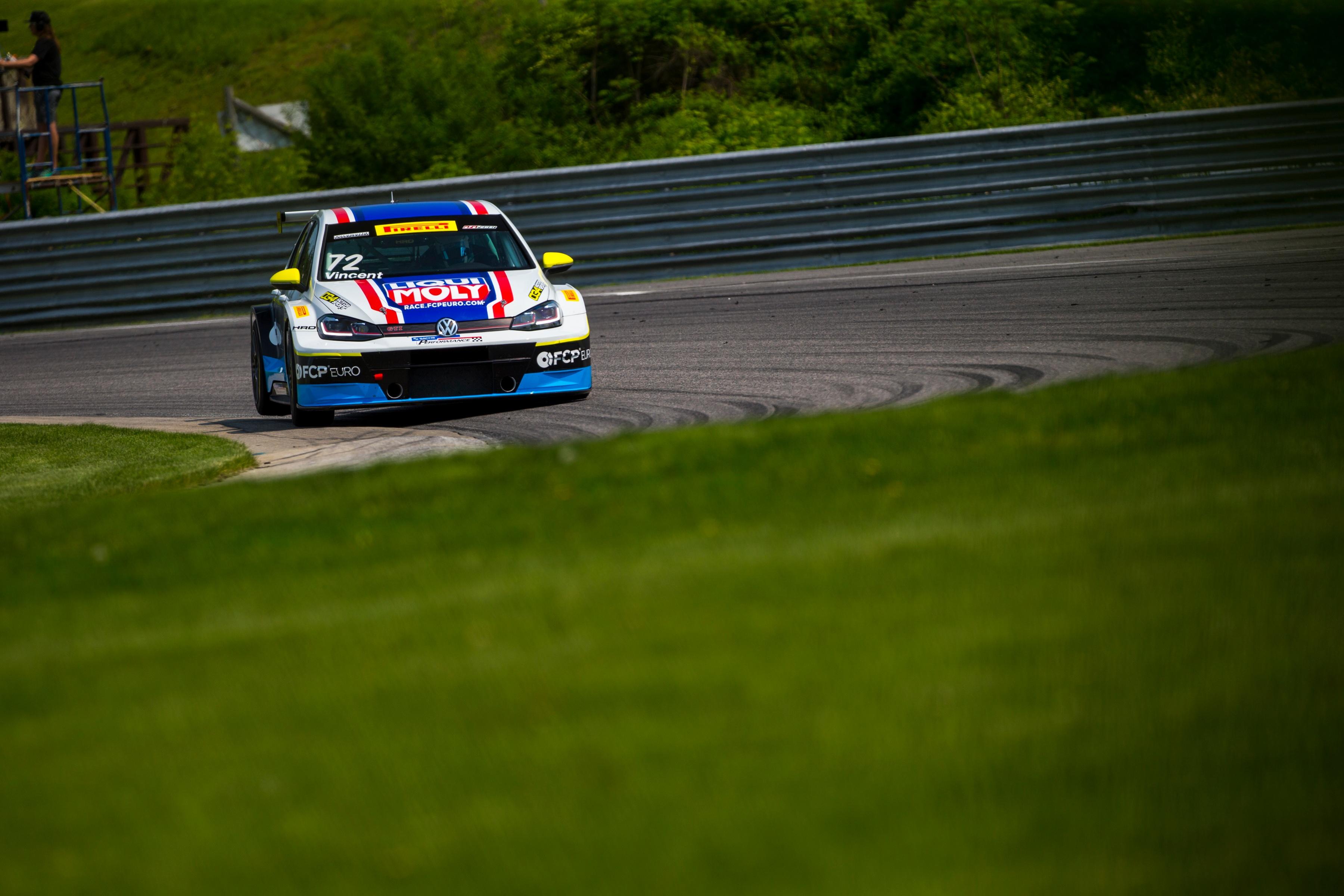 2018-Volkswagen-GTI-TCR-LRP