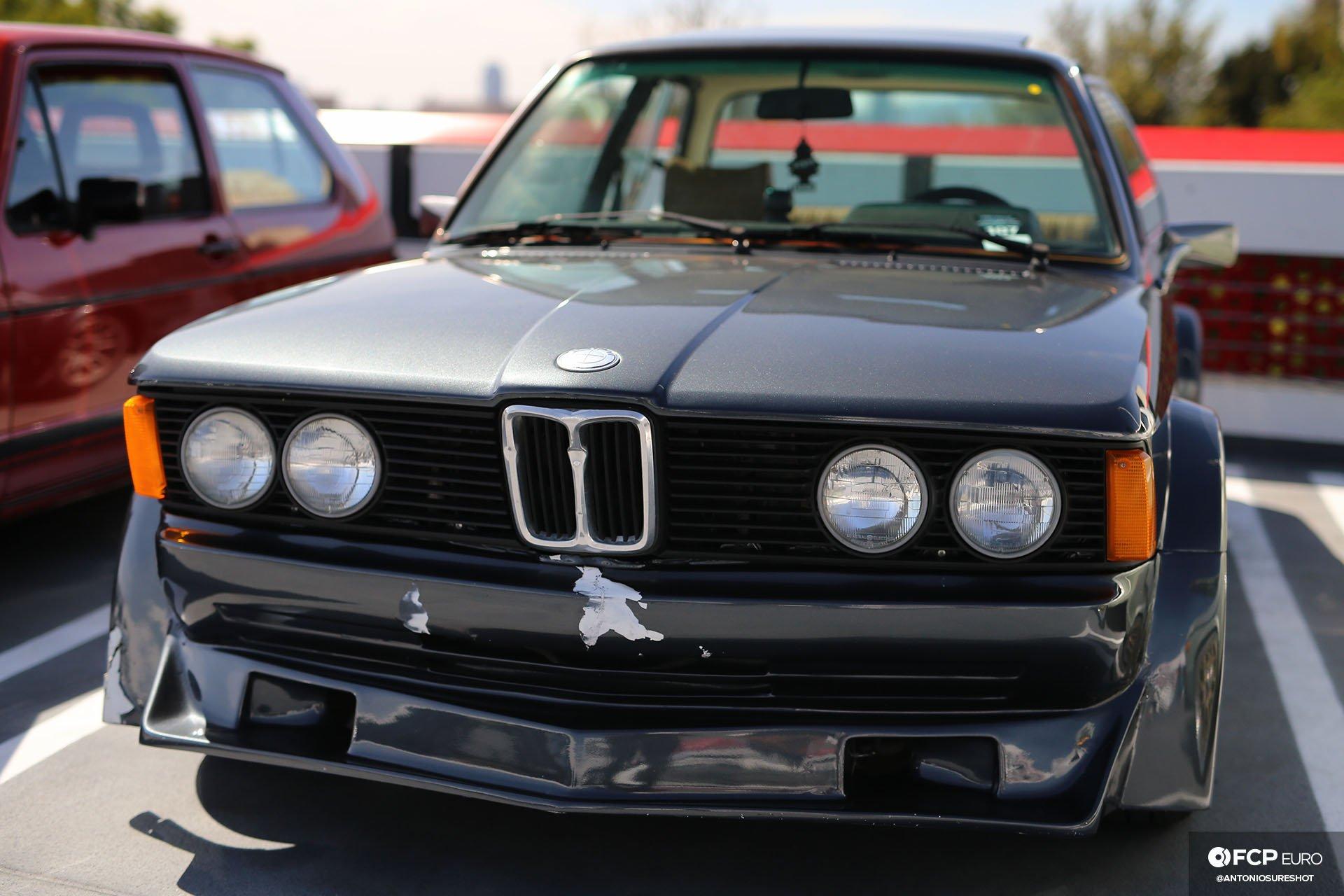 BMW E21 320i w flares