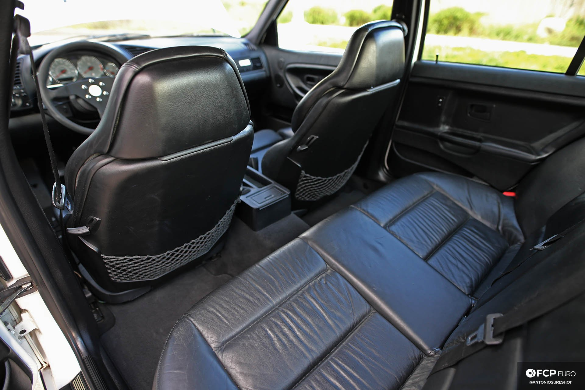 Garage Welt E36 BMW M3 4door sedan black Vader seats