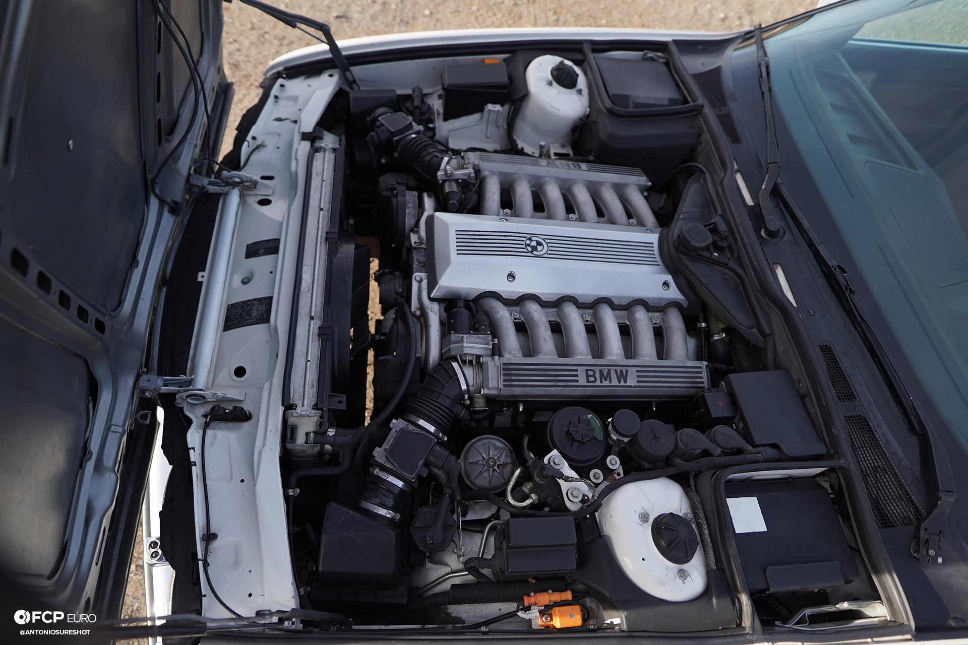 BMW E32 750iL 6 speed A9A02540