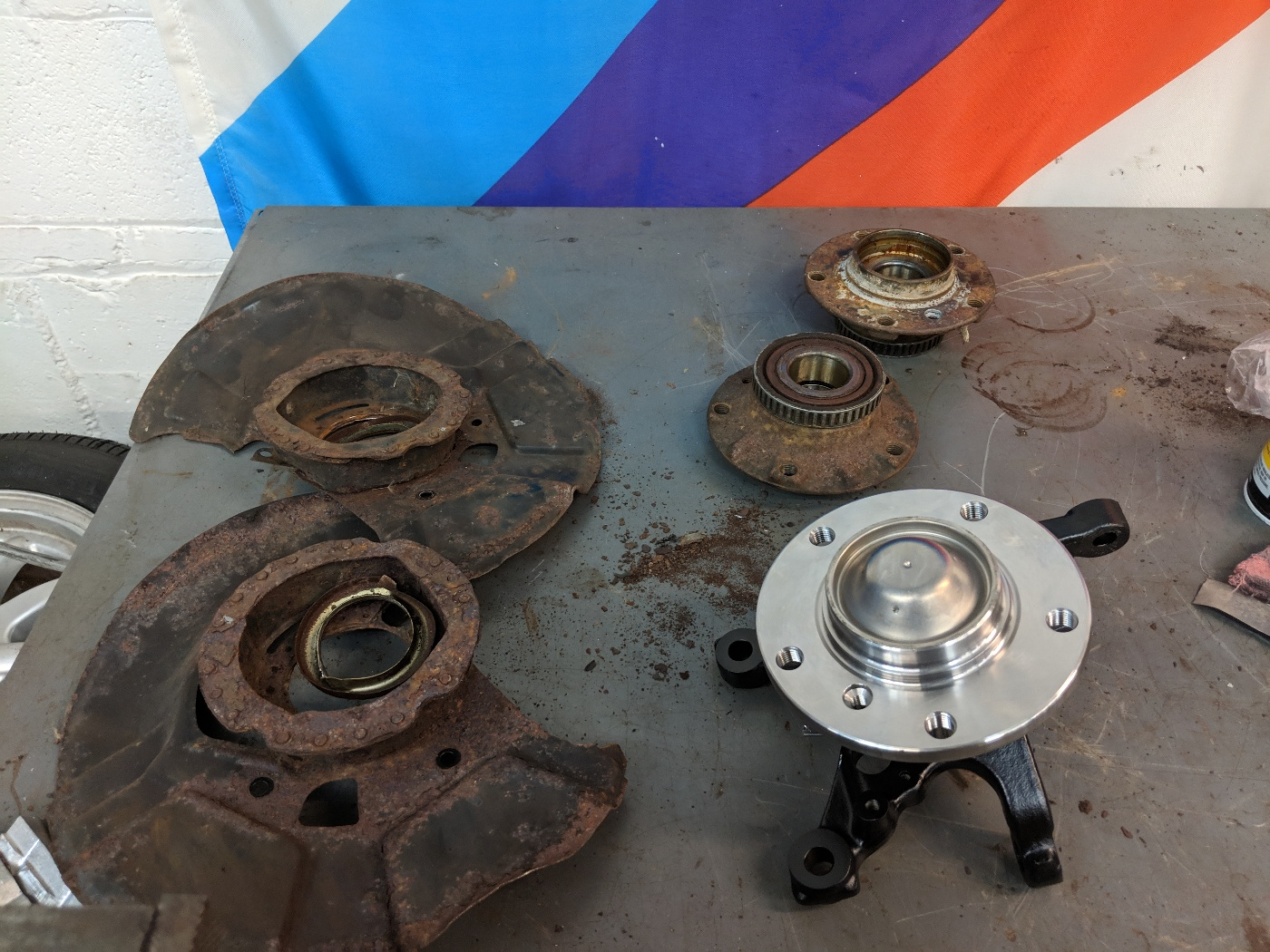 BMW E36 M3 Front wheel bearing hub