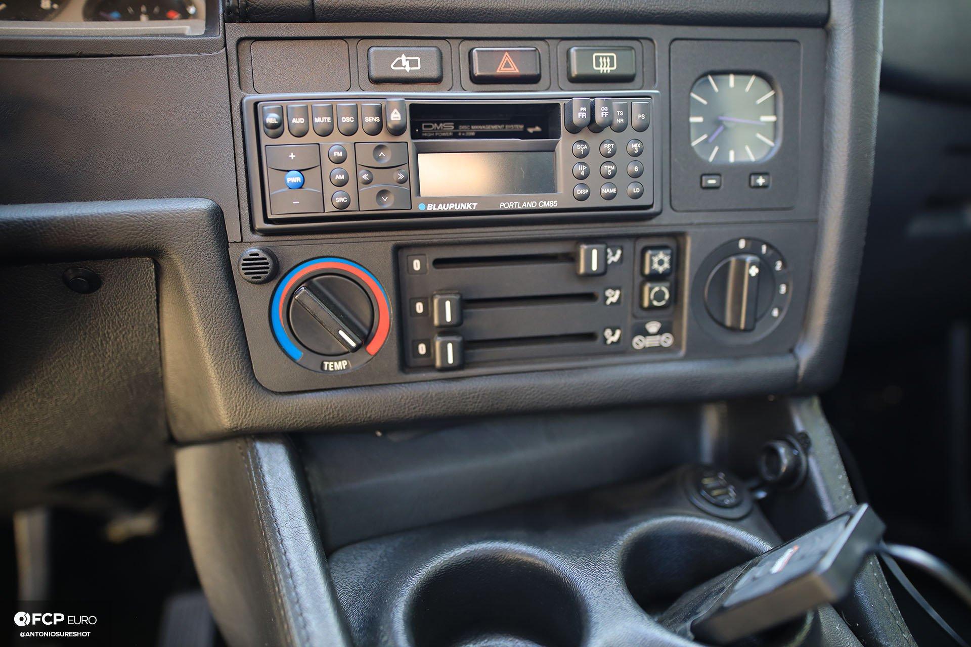 CAtuned Daytona Violet E30 BMW Blaupunkt