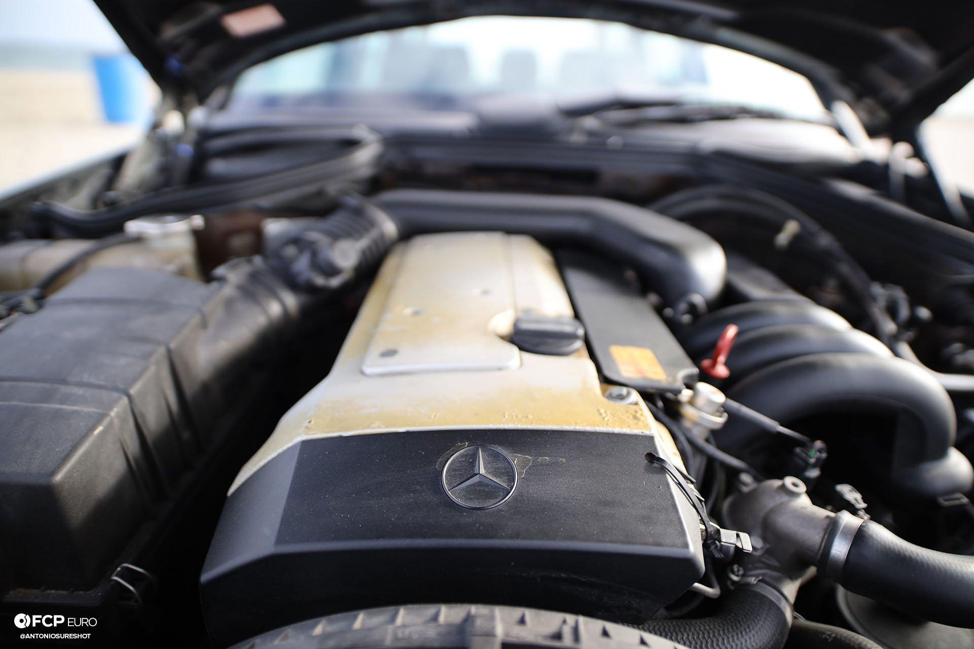 S124 Mercedes Benz E320 wagon M104
