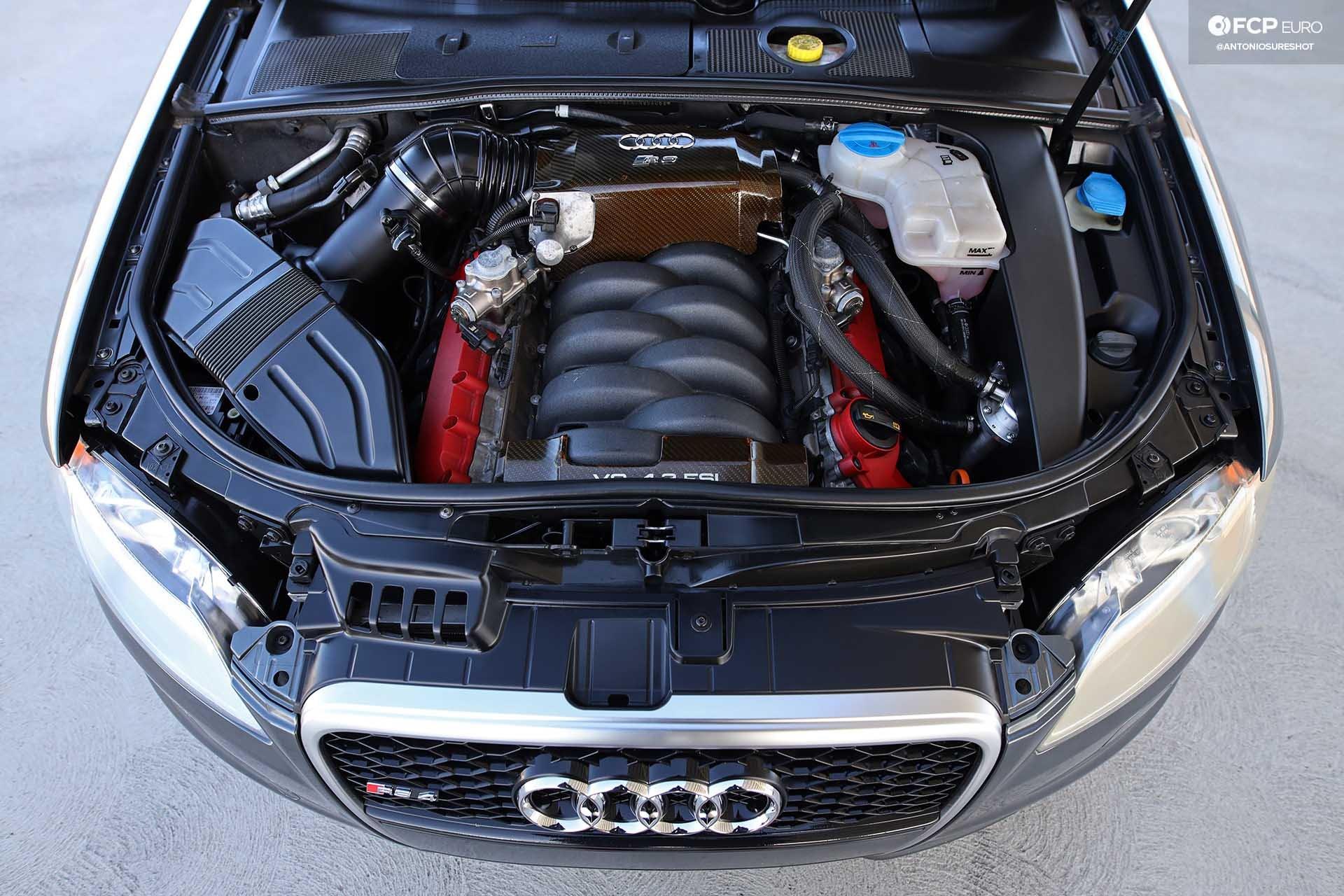 B7 Audi RS4 engine bay