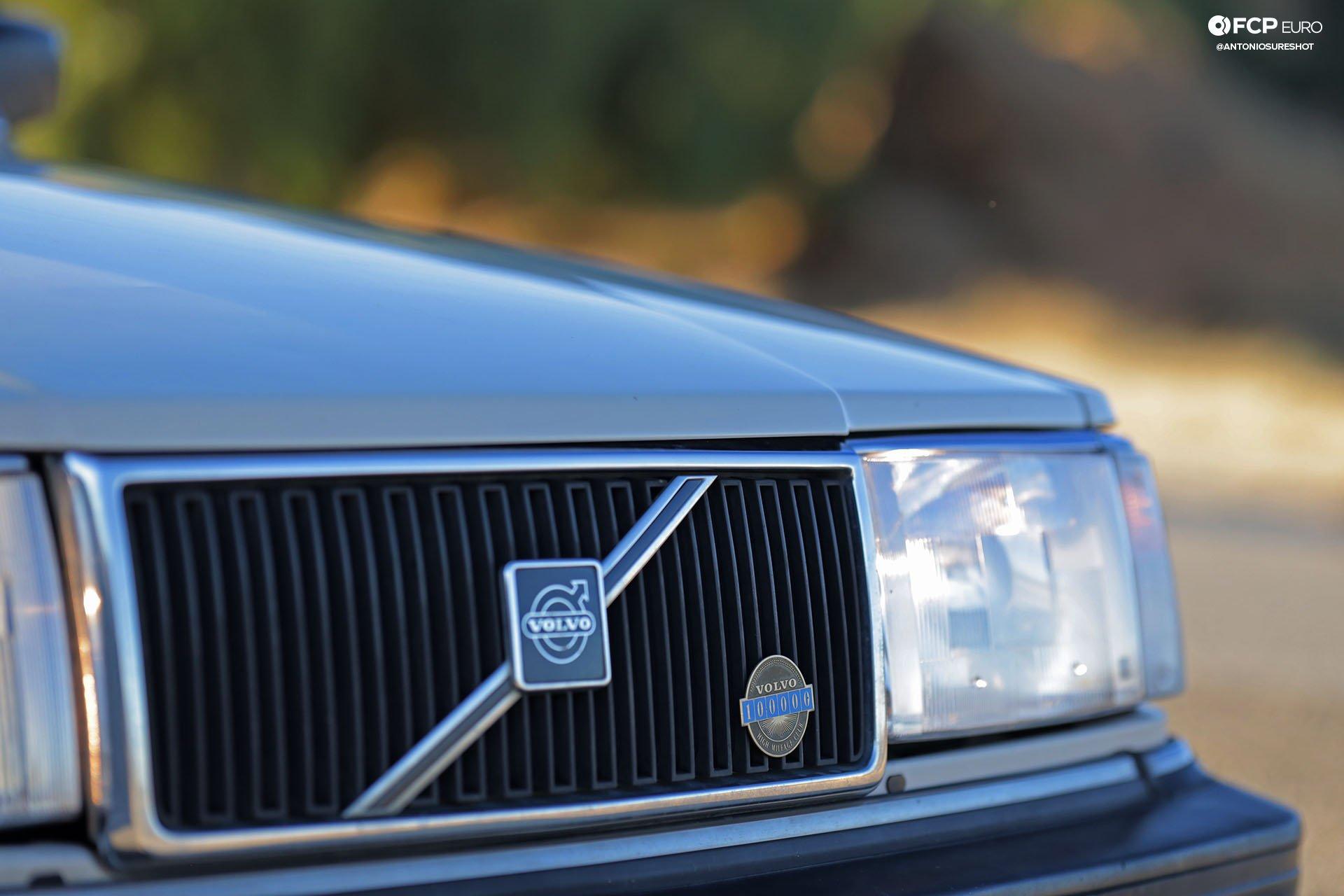 Volvo 245 Wagon Grill