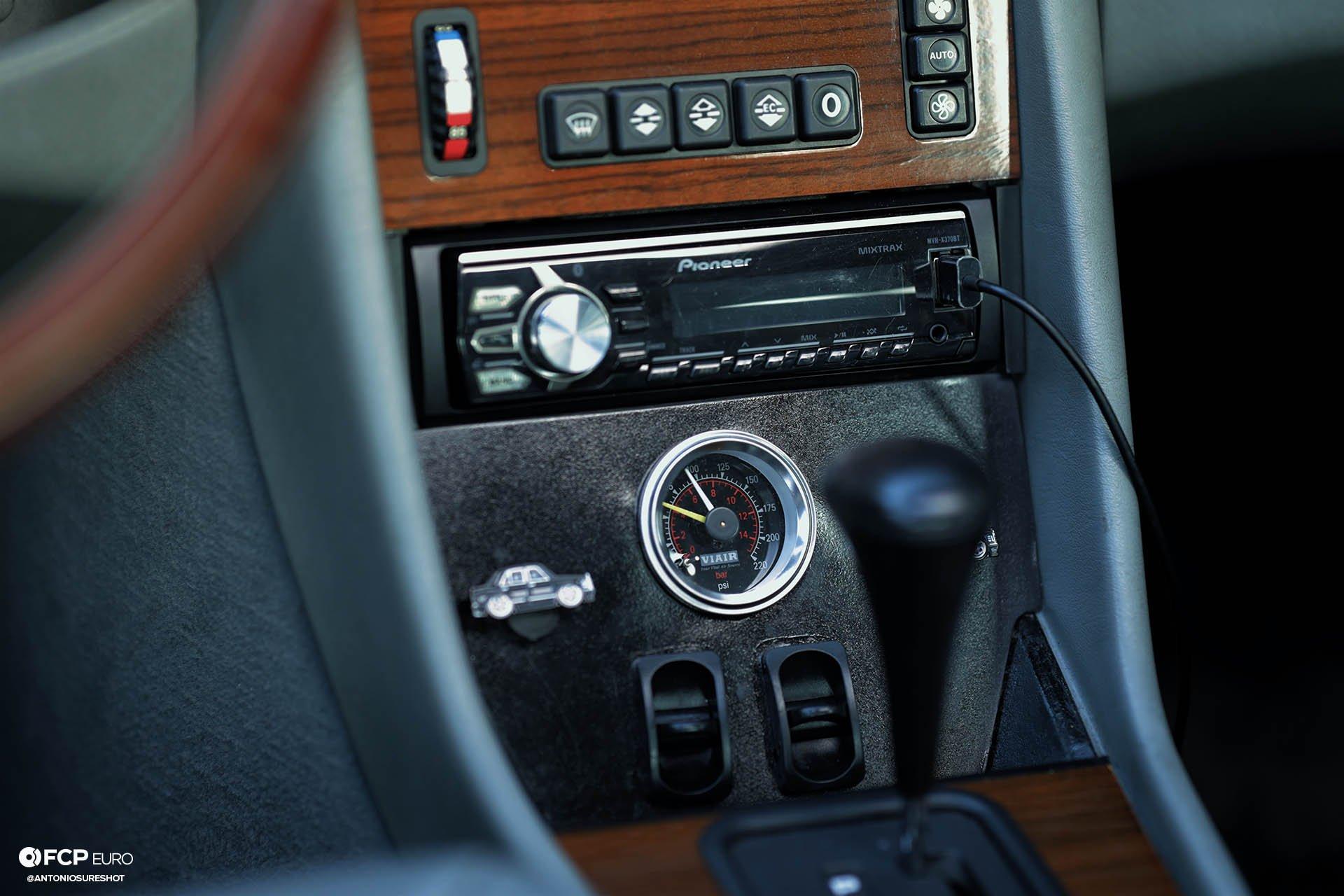viair Liberty VIP Mercedes-Benz 420SEL LWB