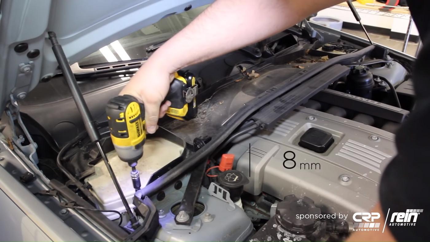 BMW E90 Cowl Removal 3