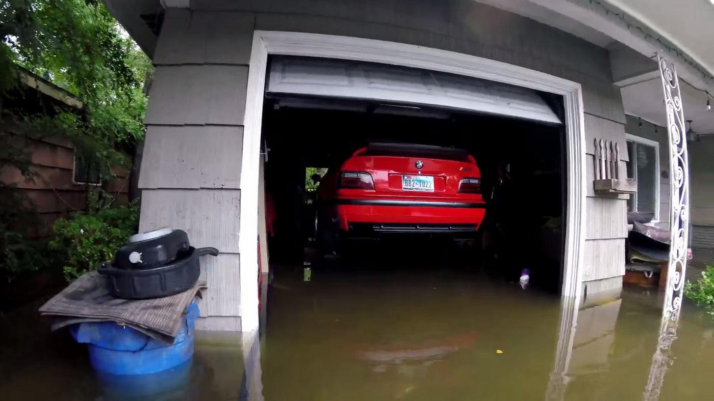 E36 M3 Avoiding Harvey