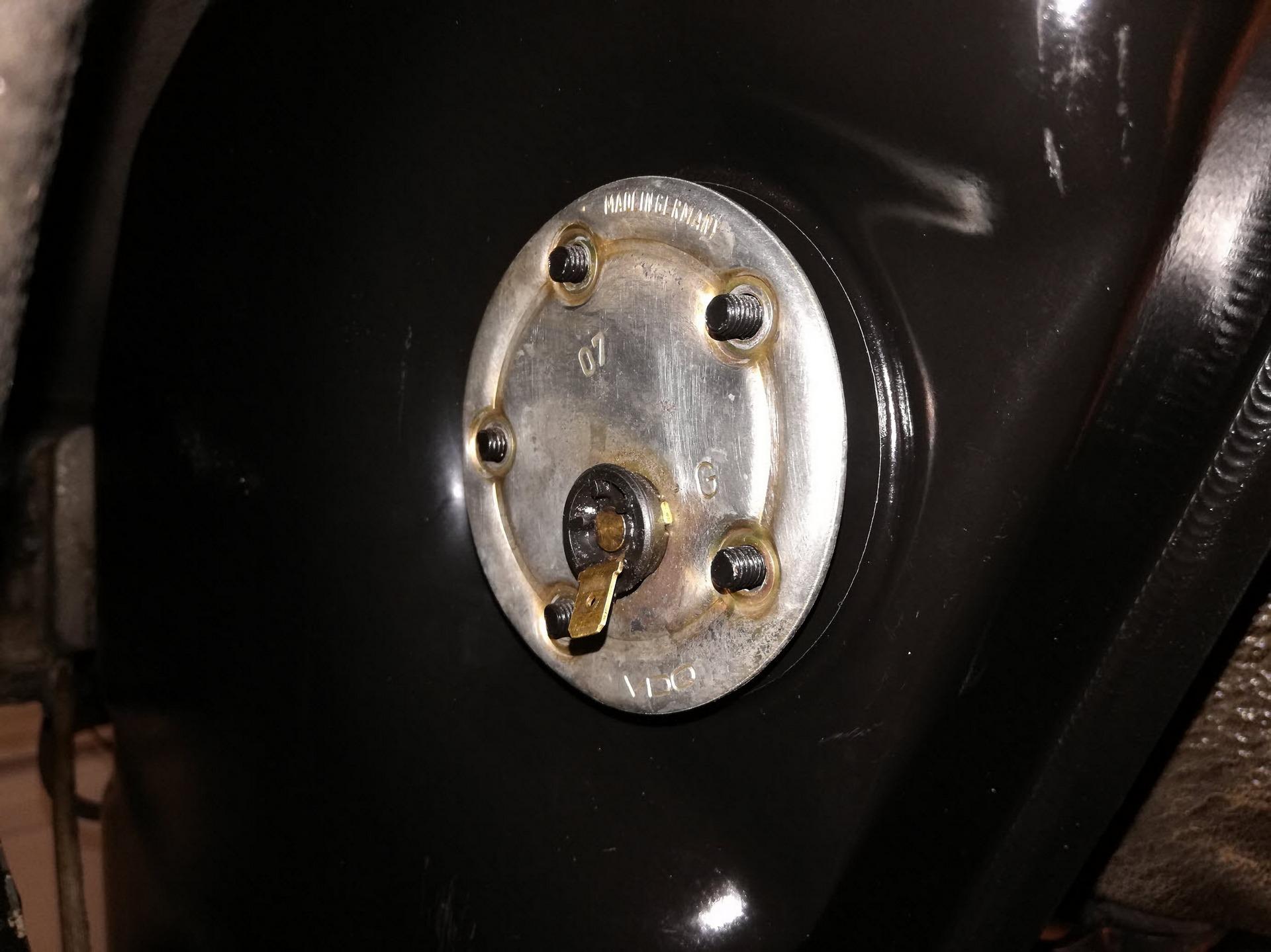porsche-911-oil-sensor-9