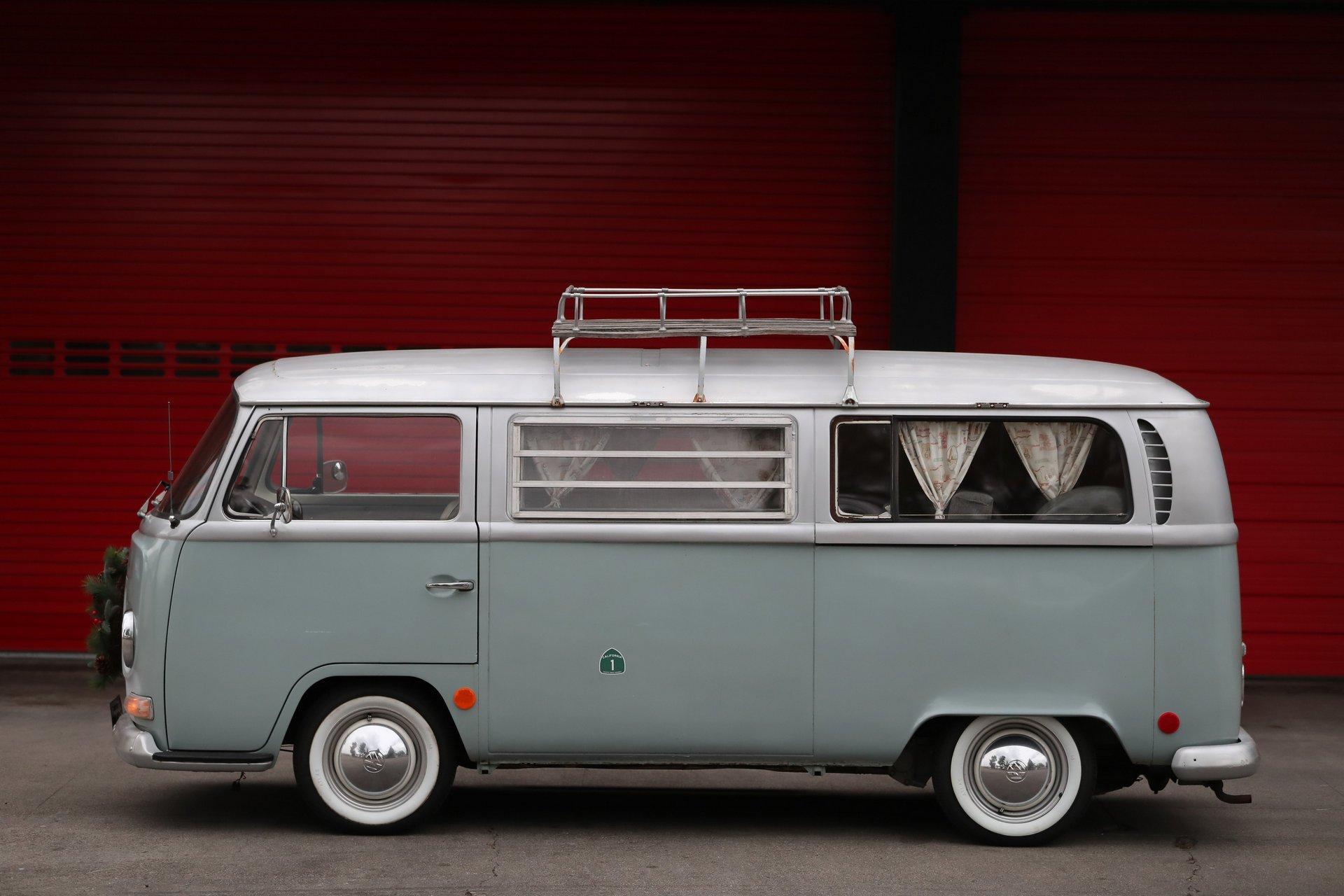 VW Bay Window Bus