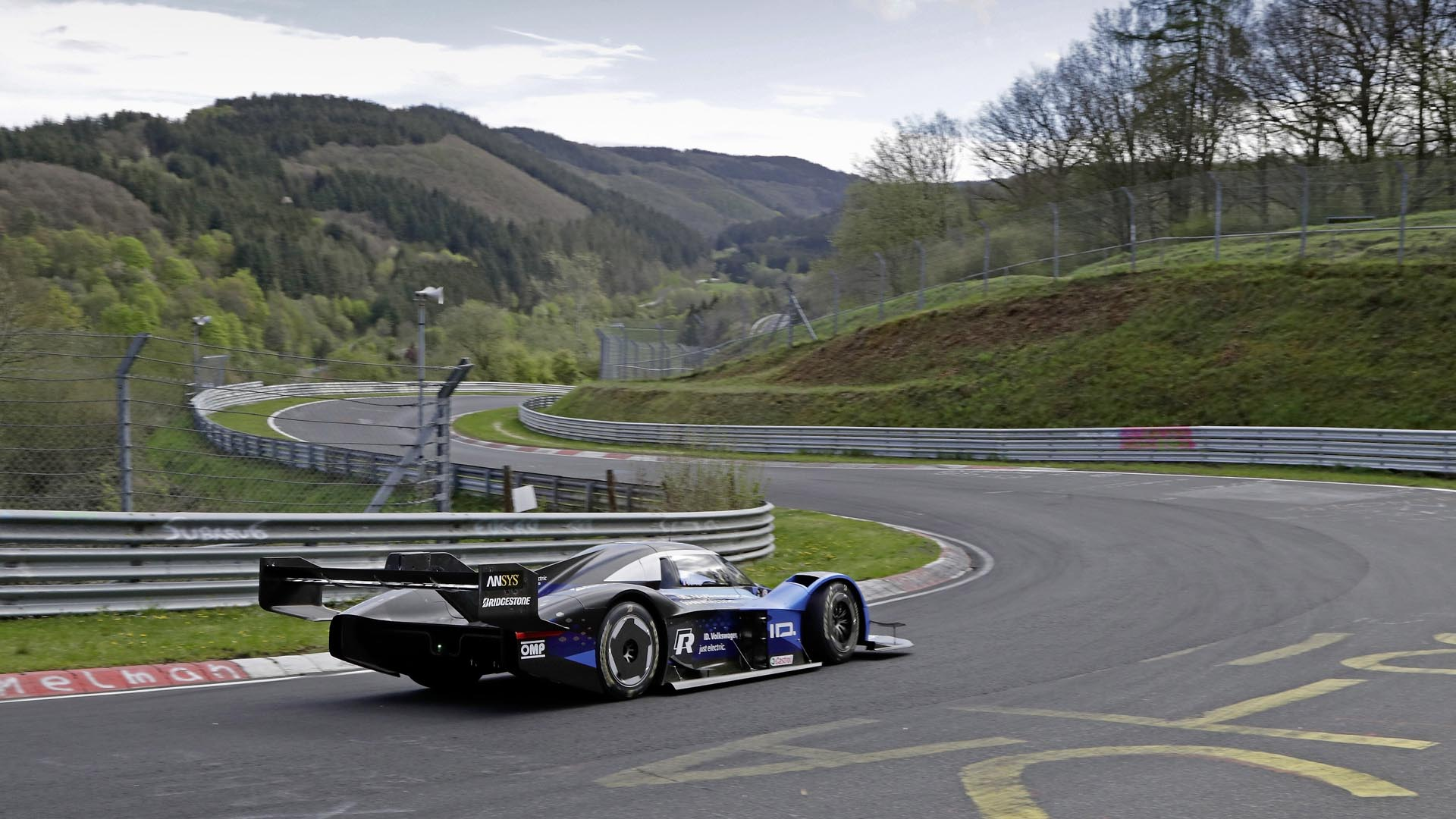 VW ID. R Nurburgring Nordschleife Lap Record Test
