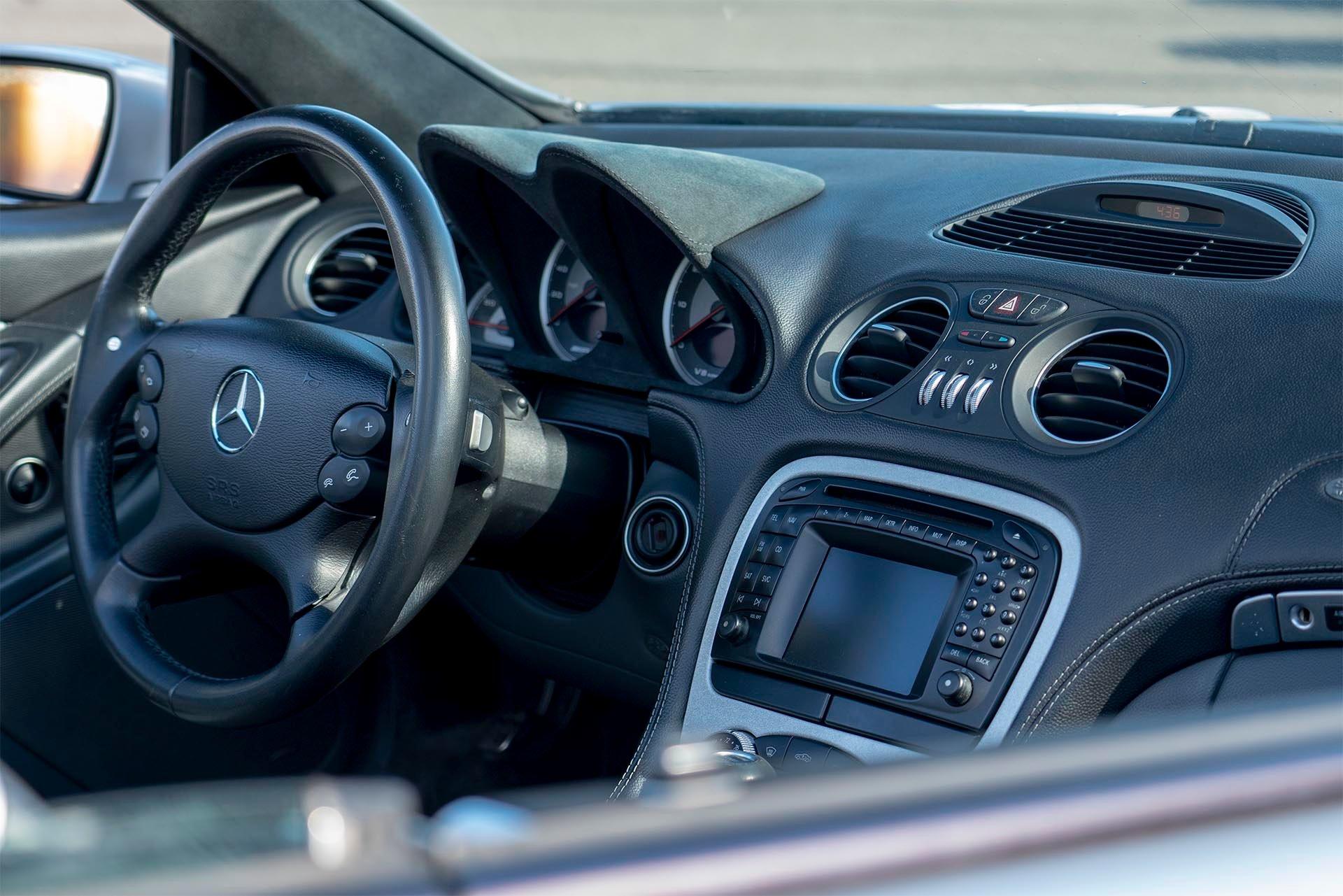 Mercedes-Benz SL55 AMG VRP Interior