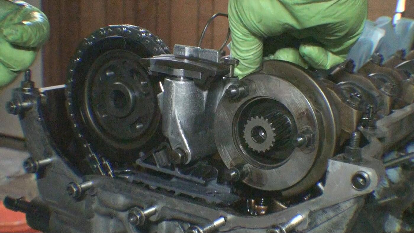 upper timing chain tensioner