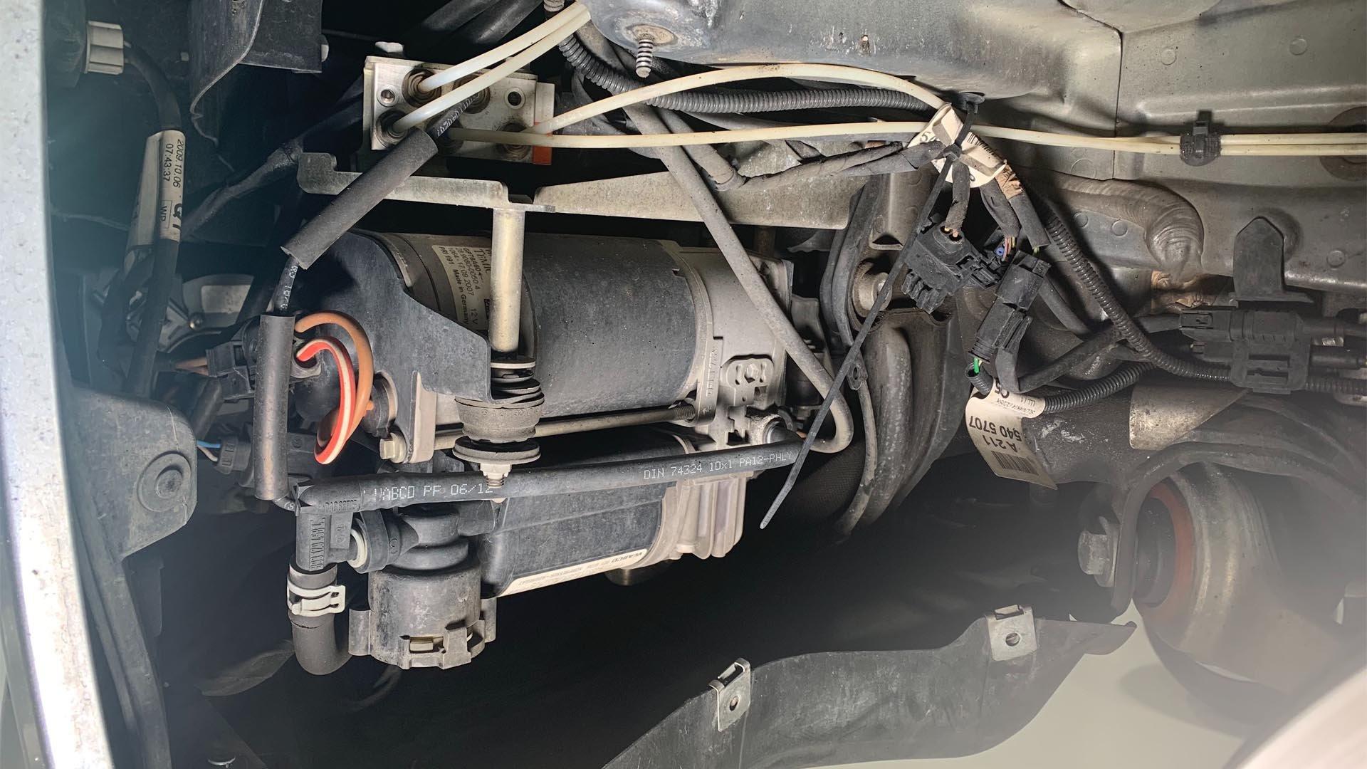Mercedes-Benz Airmatic Suspension Compressor