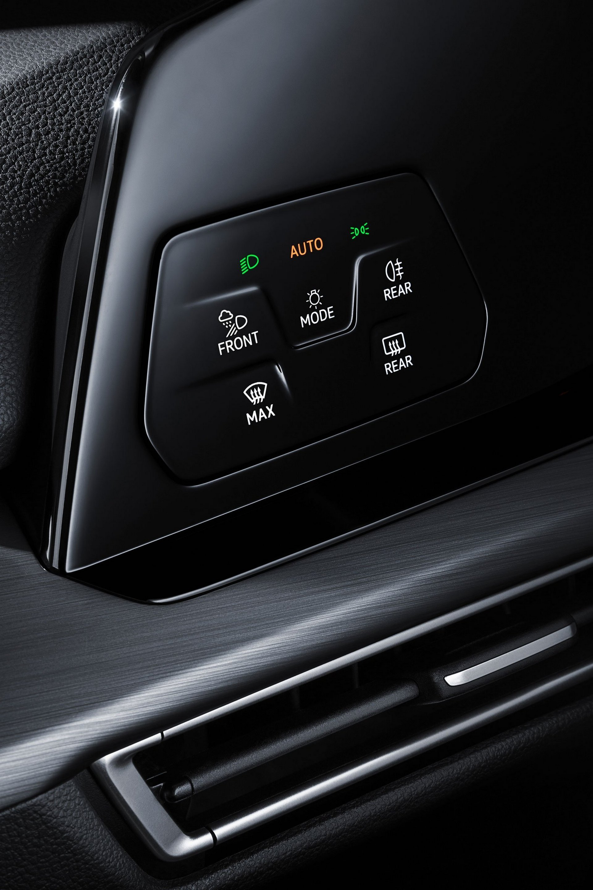 vw-mk8-golf-interior-touch-buttons