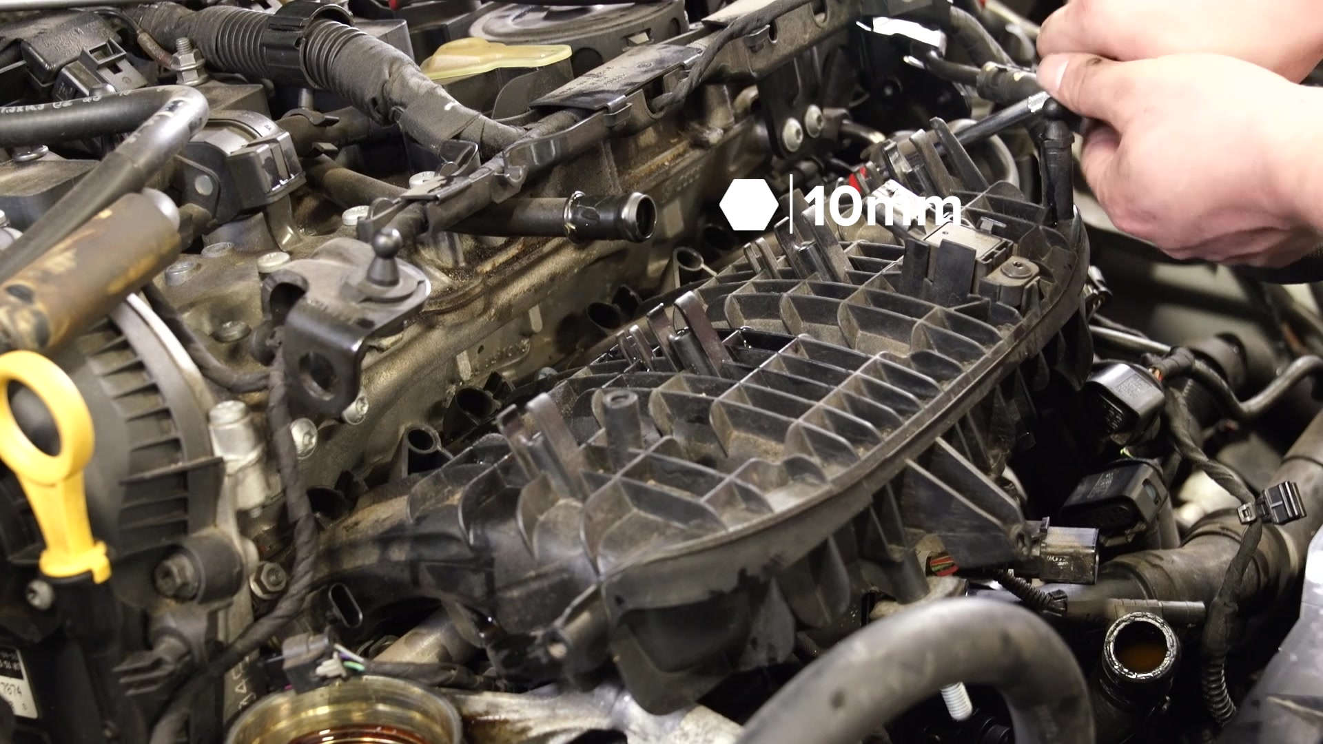 32-vw-mk7-manifold-removal-manifold-2t10