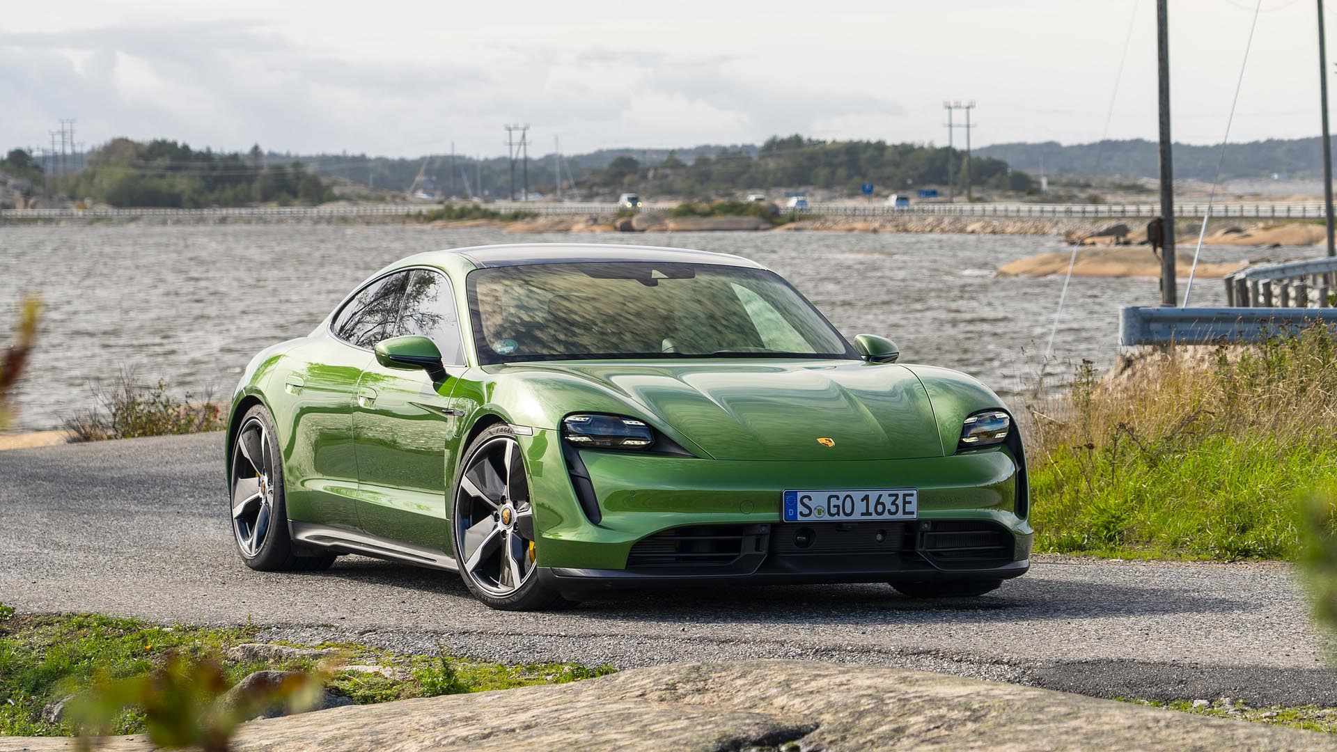 porsche-mamba-green-metallic