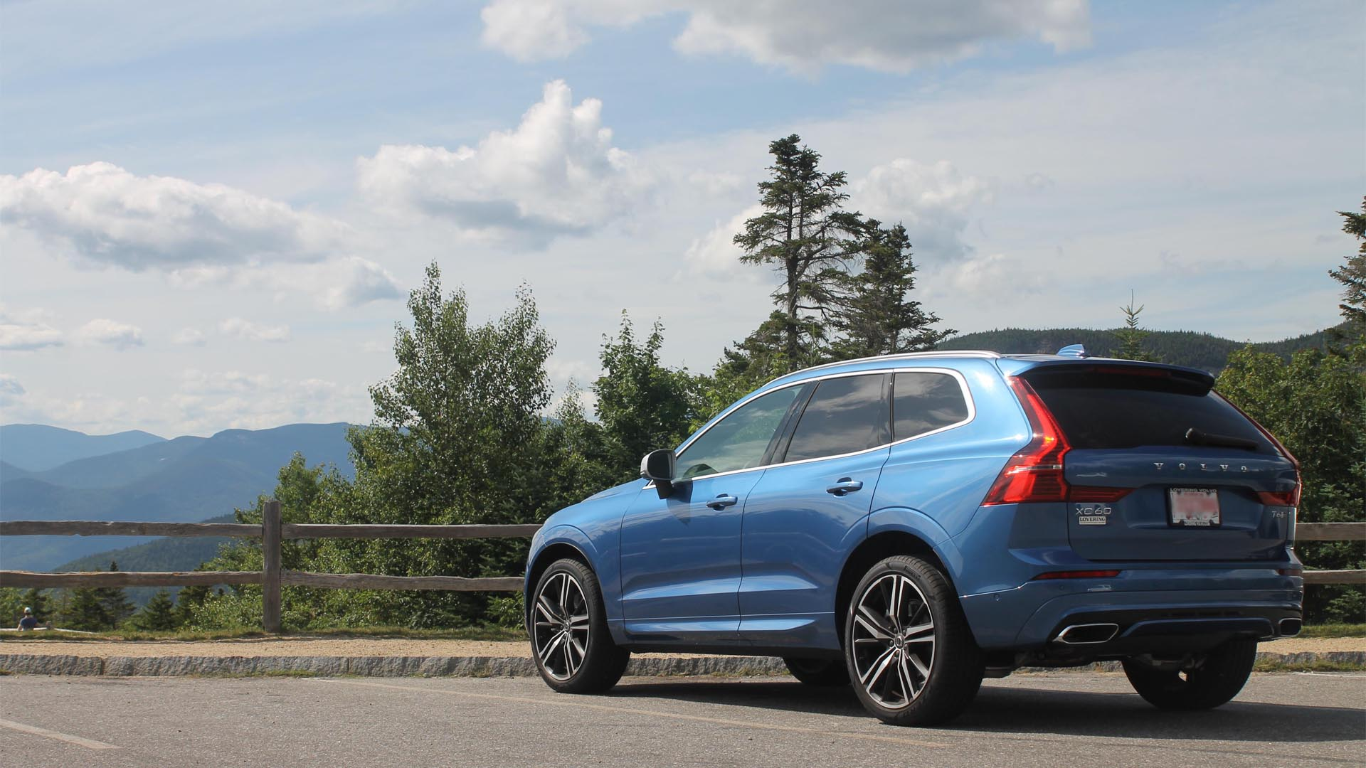 volvo-bursting-blue-metallic
