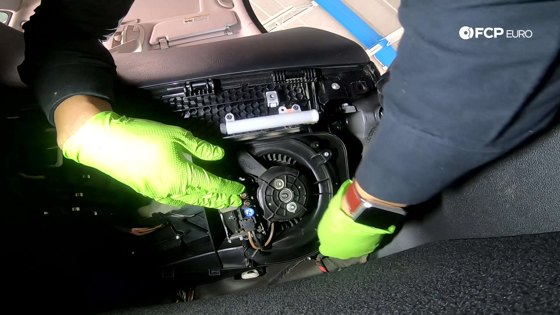 05-mercedes-w211-blower-motor-assembly-removal