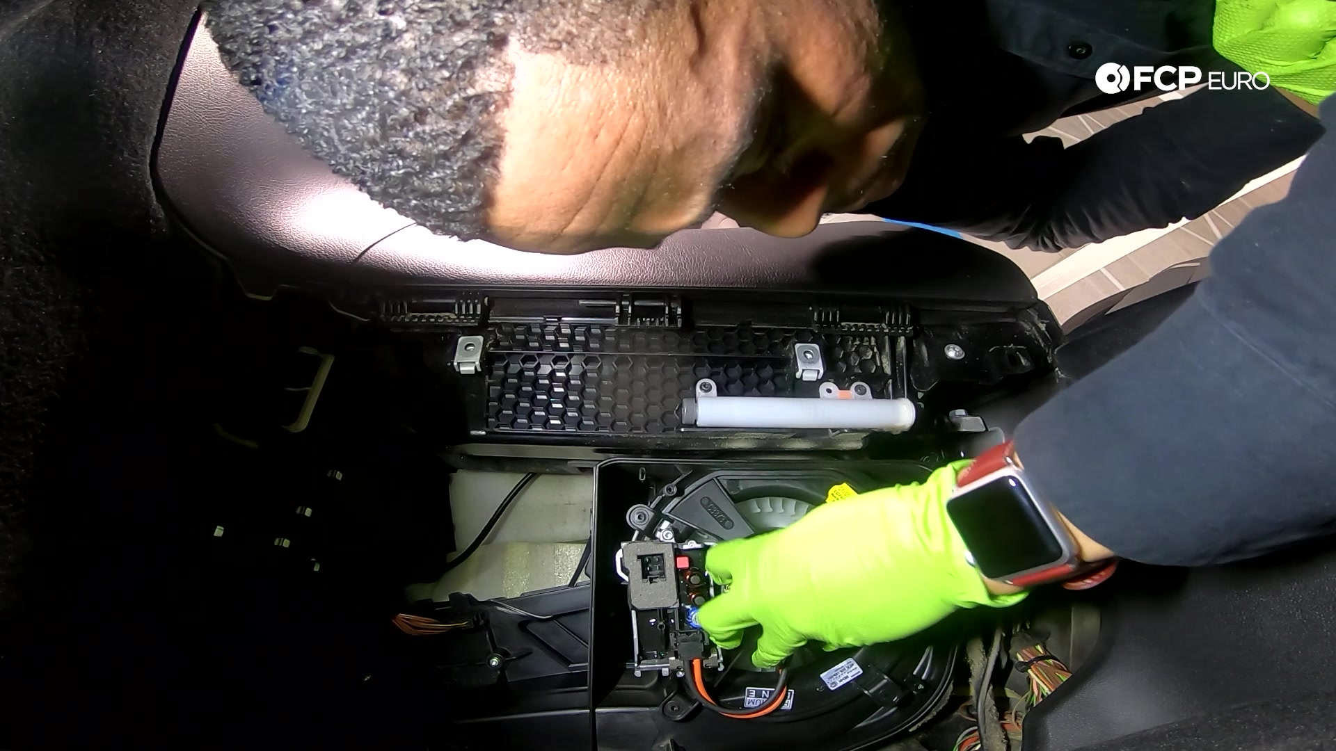 06-mercedes-w211-blower-motor-reinstall