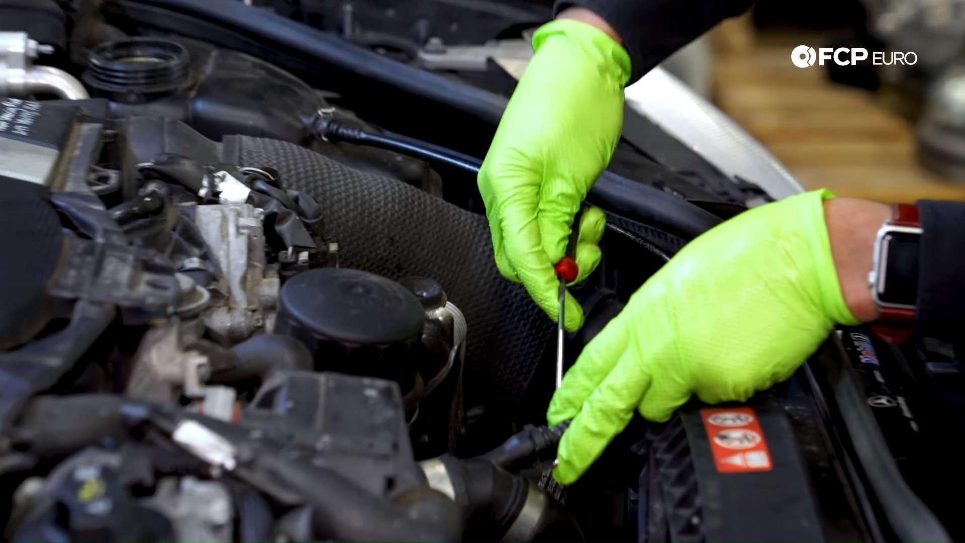 Mercedes m272 oil cooler gasket hose spring clips