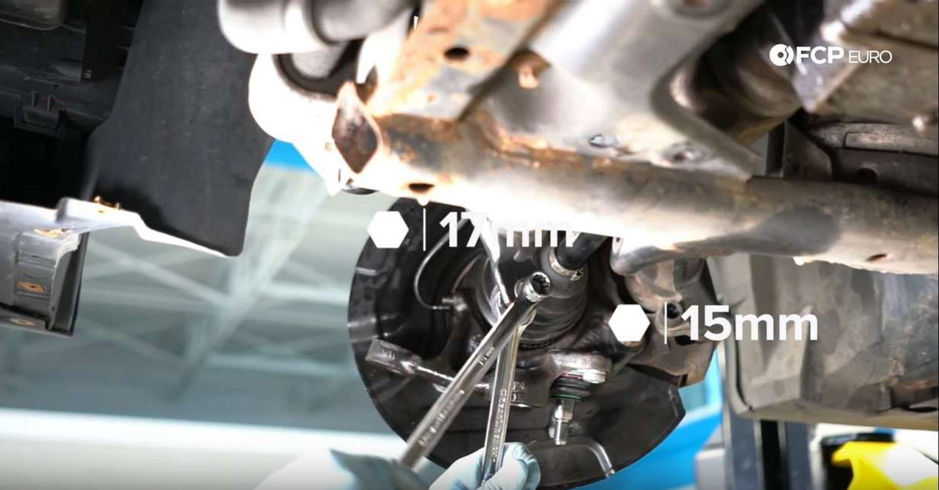 BMW Front Suspension Refresh loosening end link on sway bar