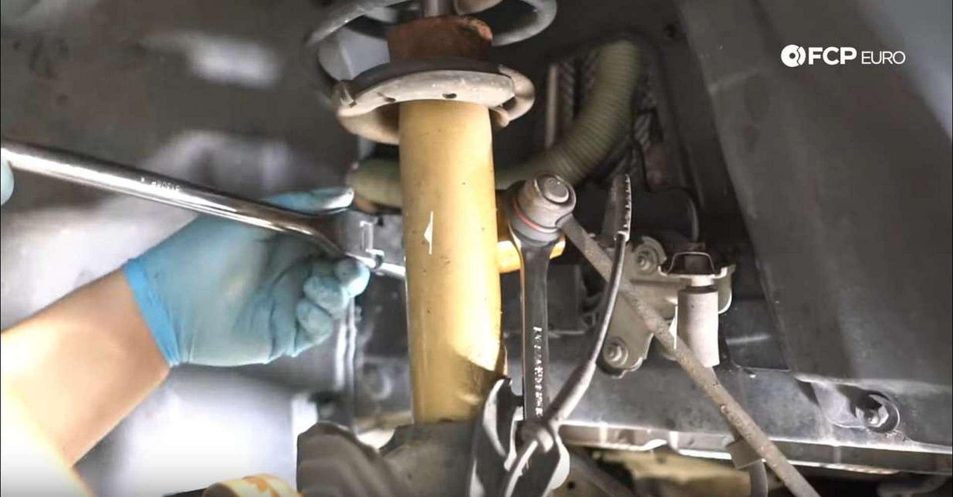 BMW Front Suspension Refresh loosening end link on strut