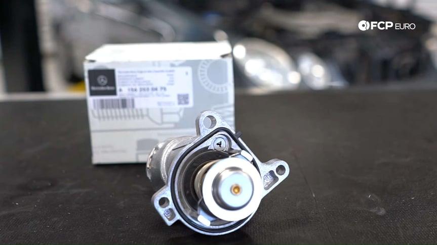 mercedes-m156-thermostat-closeup