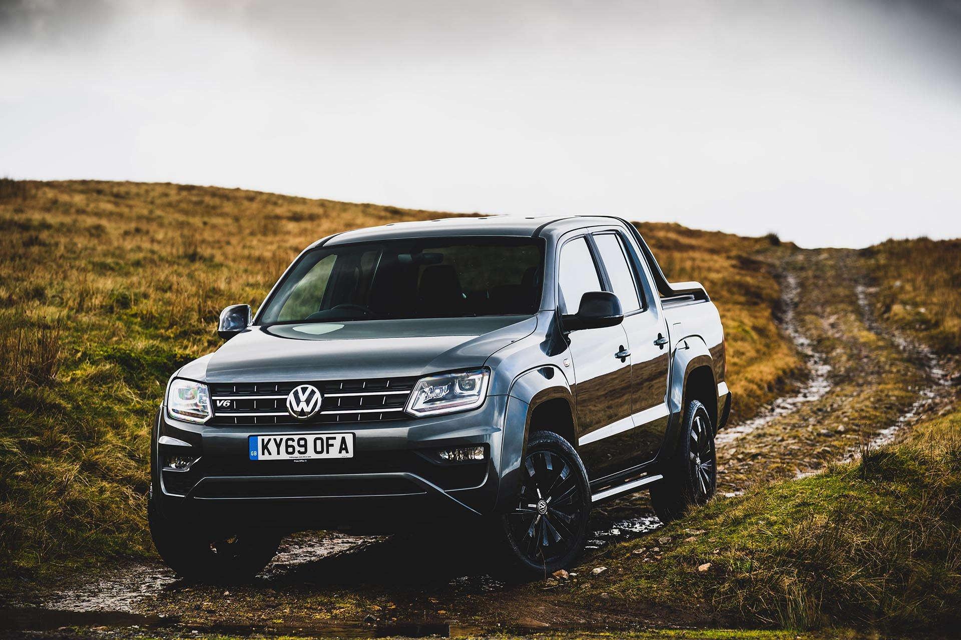 Volkswagen Amarok 3.0 TDI Biturbo Pick Up front]