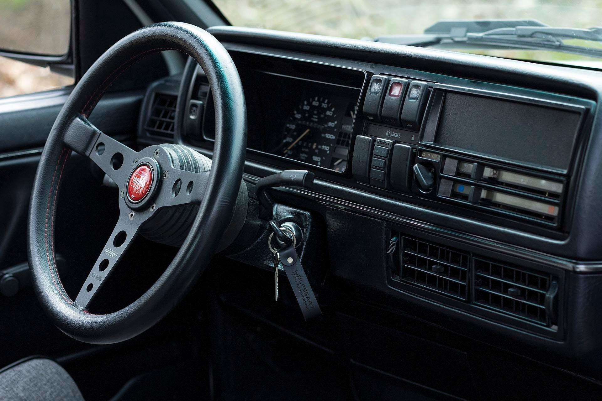 VW Mk2 dashboard Momo Prototipo