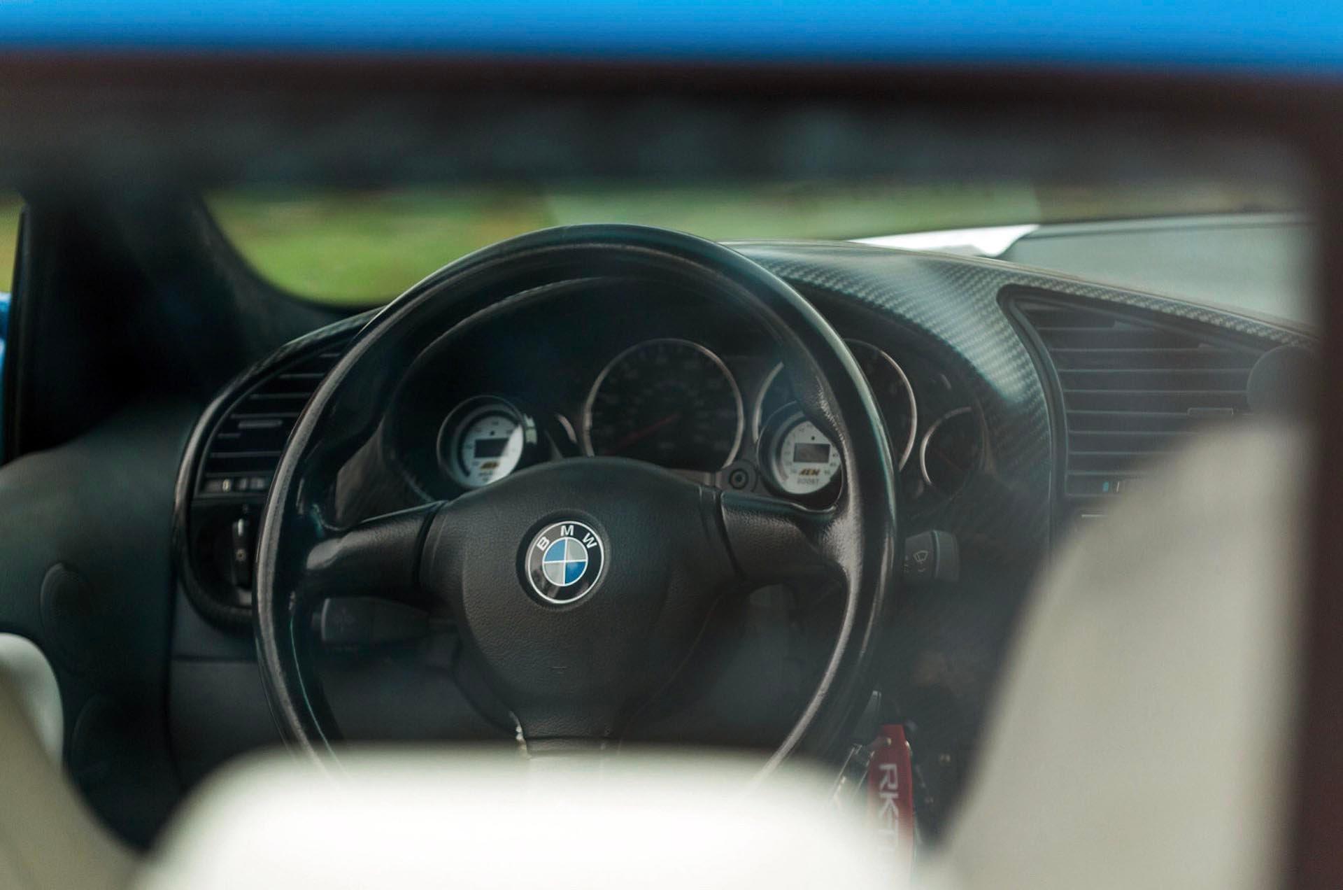 BMW M-Tech 2 steering wheel in E36