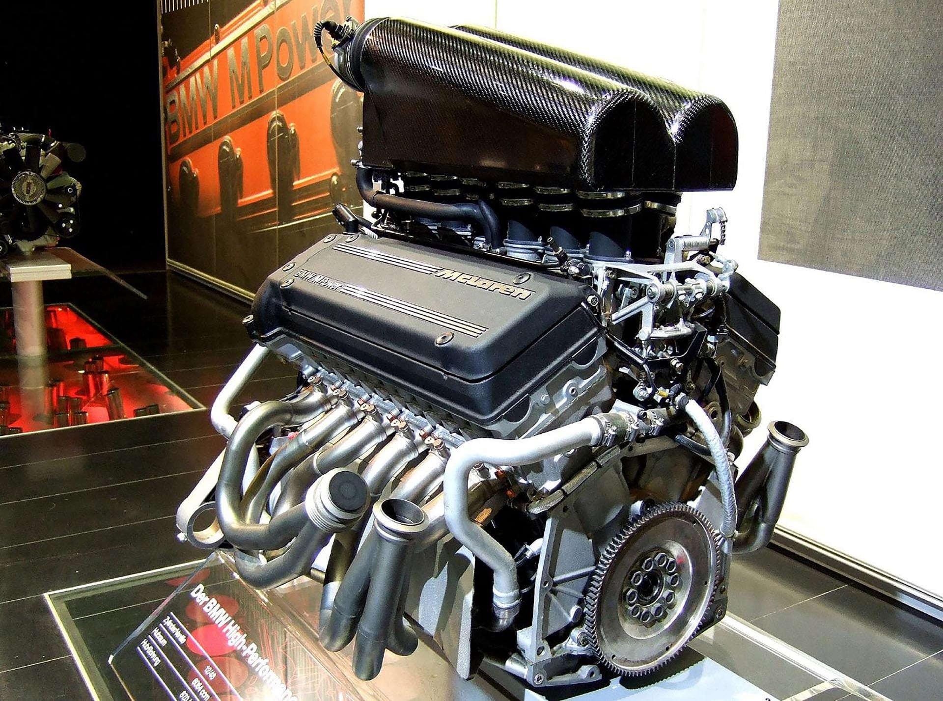 17-20_Mclaren-f1-1996-engine-v12-s70-02
