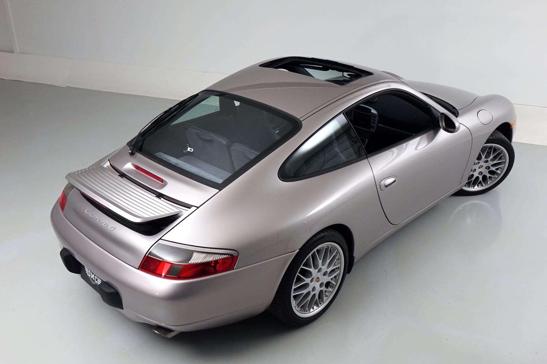 08_Porsche 996 911 Carrera 4 rear