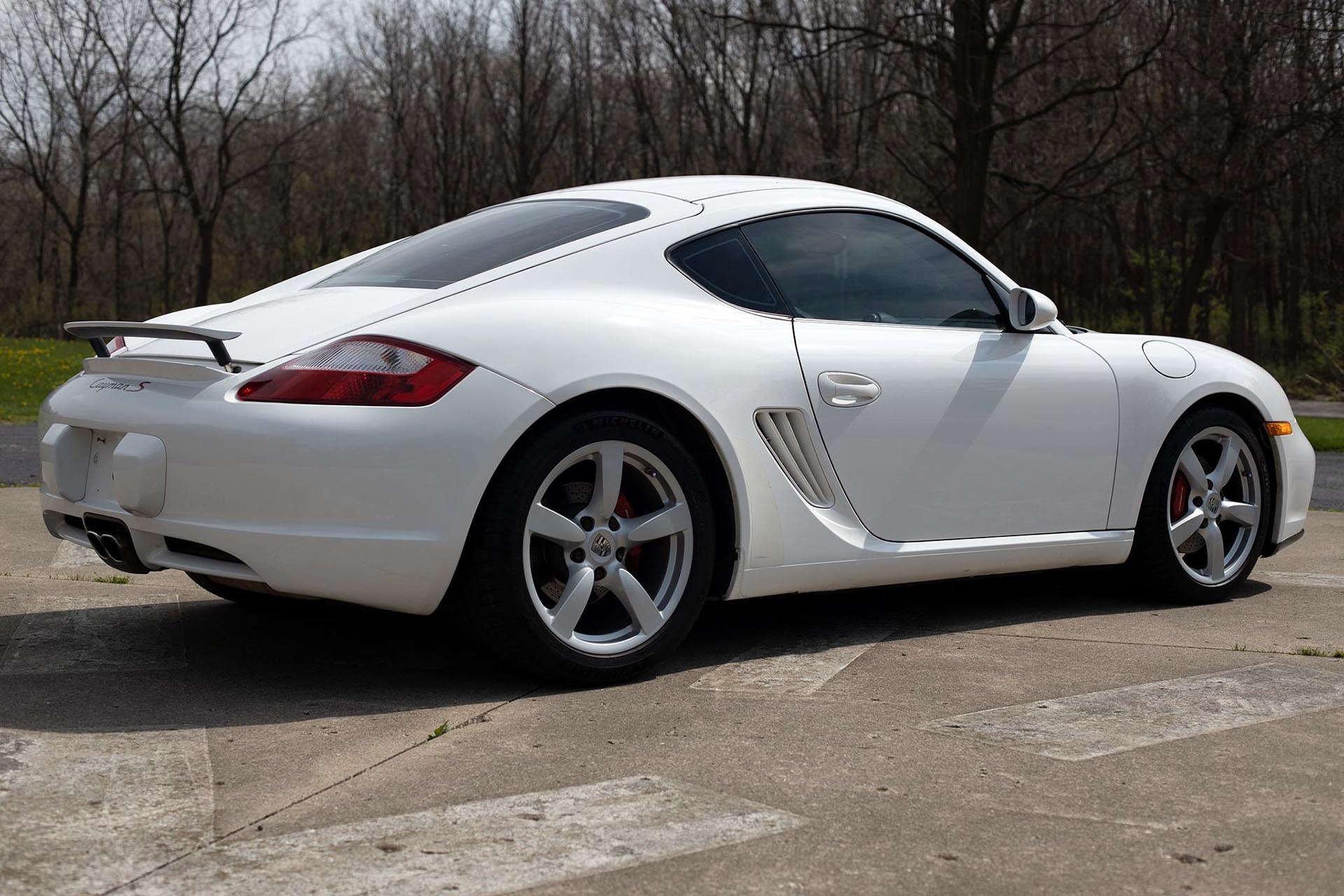 14_Porsche Cayman S Rear