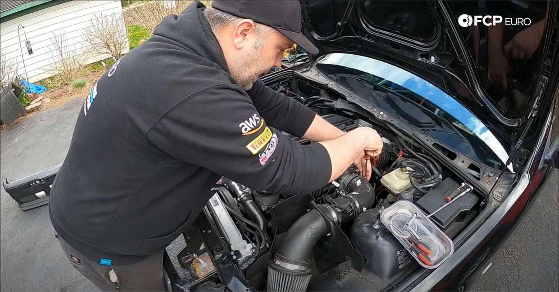 DIY BMW M50 Intake Manifold removing intake clamp