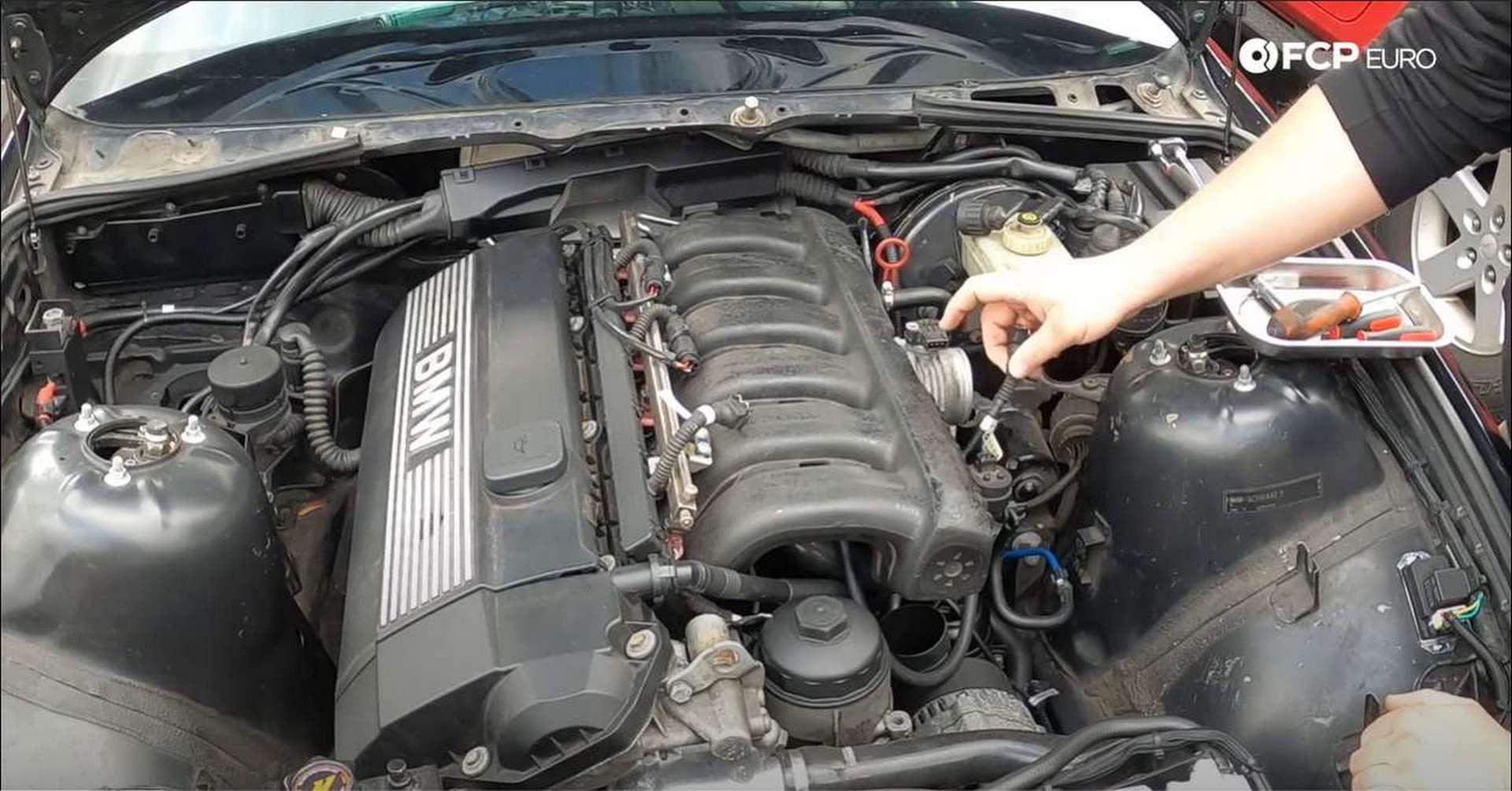 DIY BMW M50 Intake Manifold throttle position sensor plug