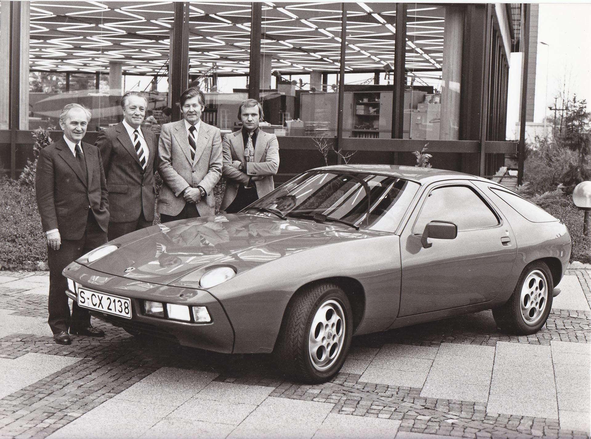 Porsche 928S front