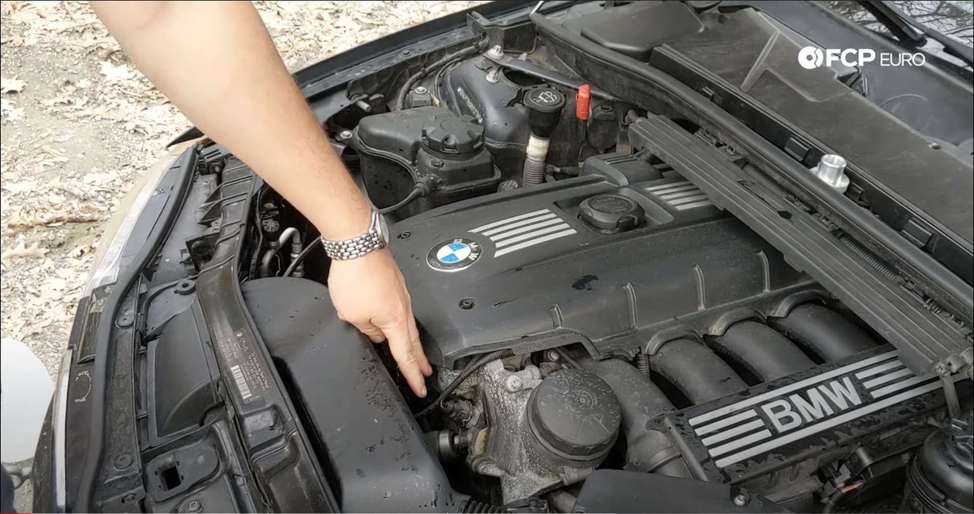02_DIY_BMW_Coolant_Inlet-Flange-Removal