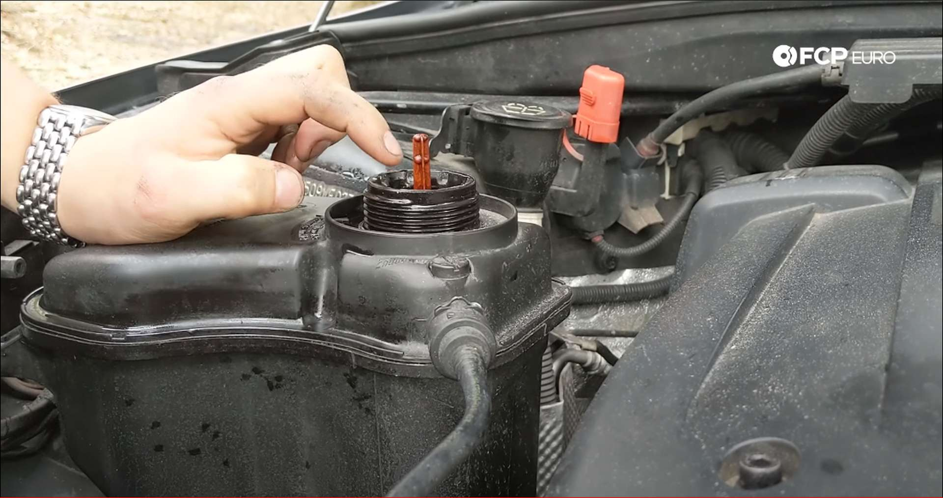 10_DIY_BMW_Coolant_Inlet-Coolant-Refill