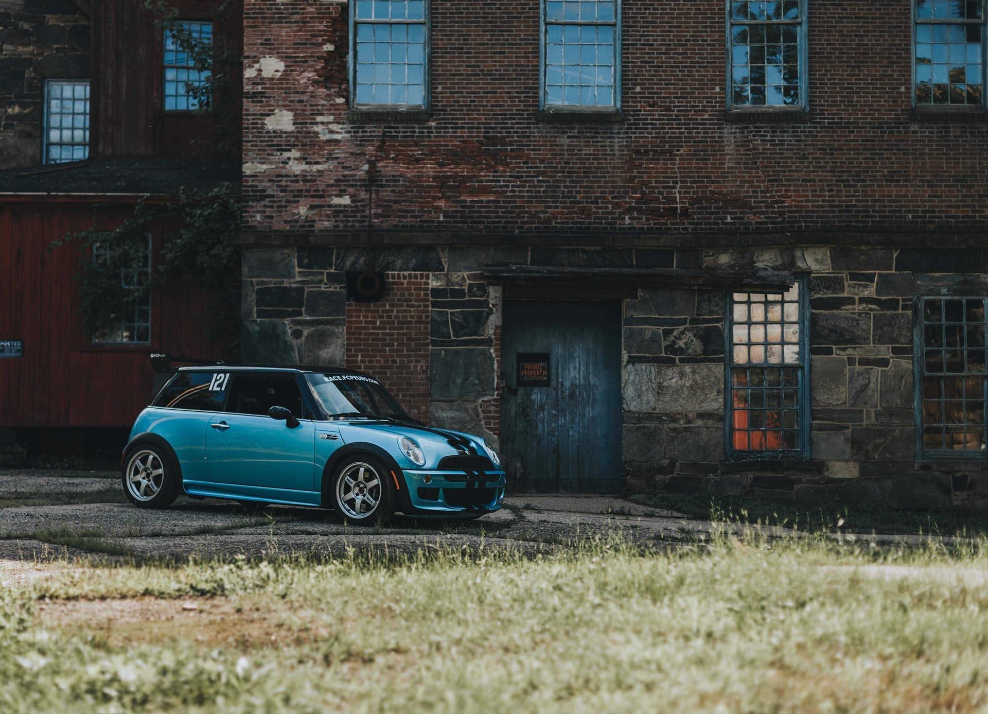 05_MINI Cooper S R52 Electric Blue front