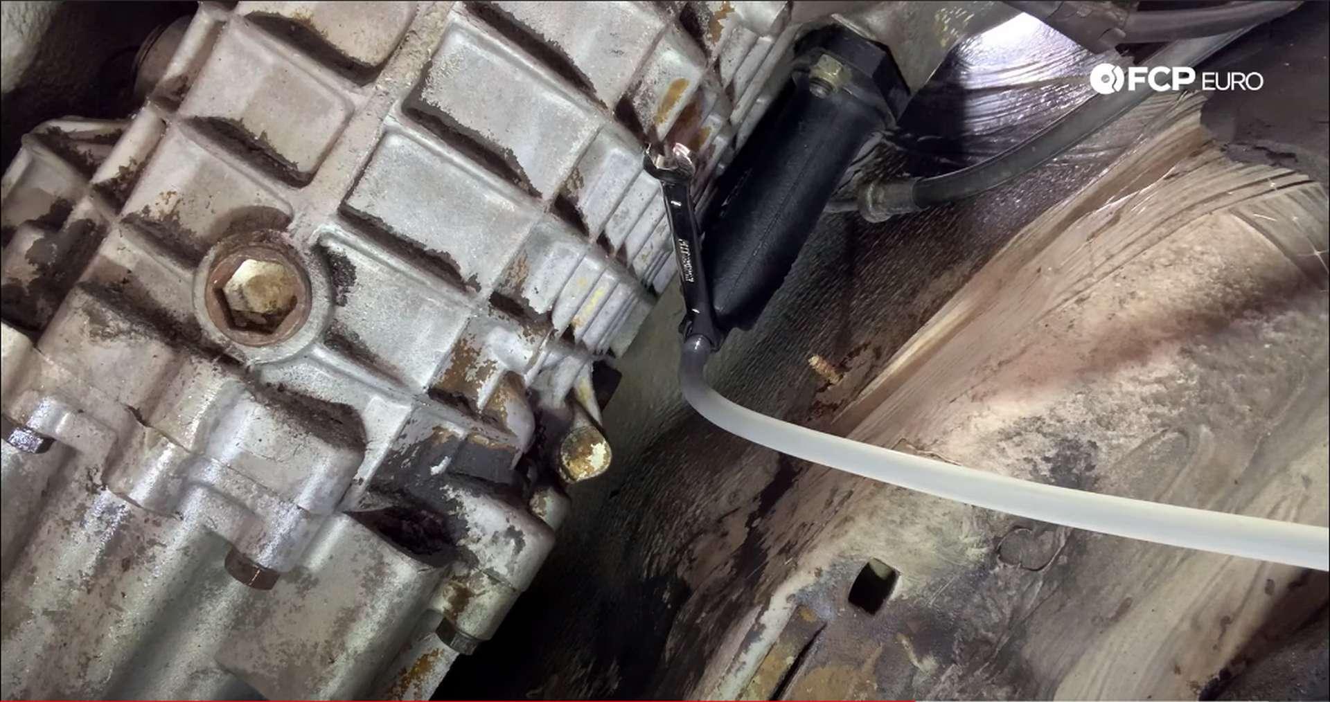 BMW E30 Bleeding Clutch Slave Cylinder