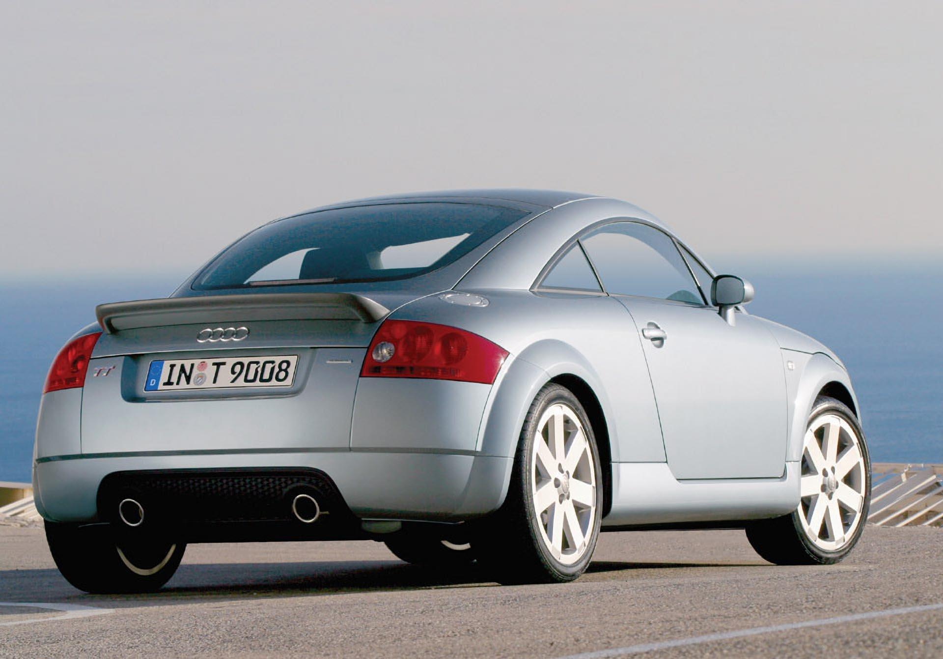 01_Audi TT 225 Quattro rear