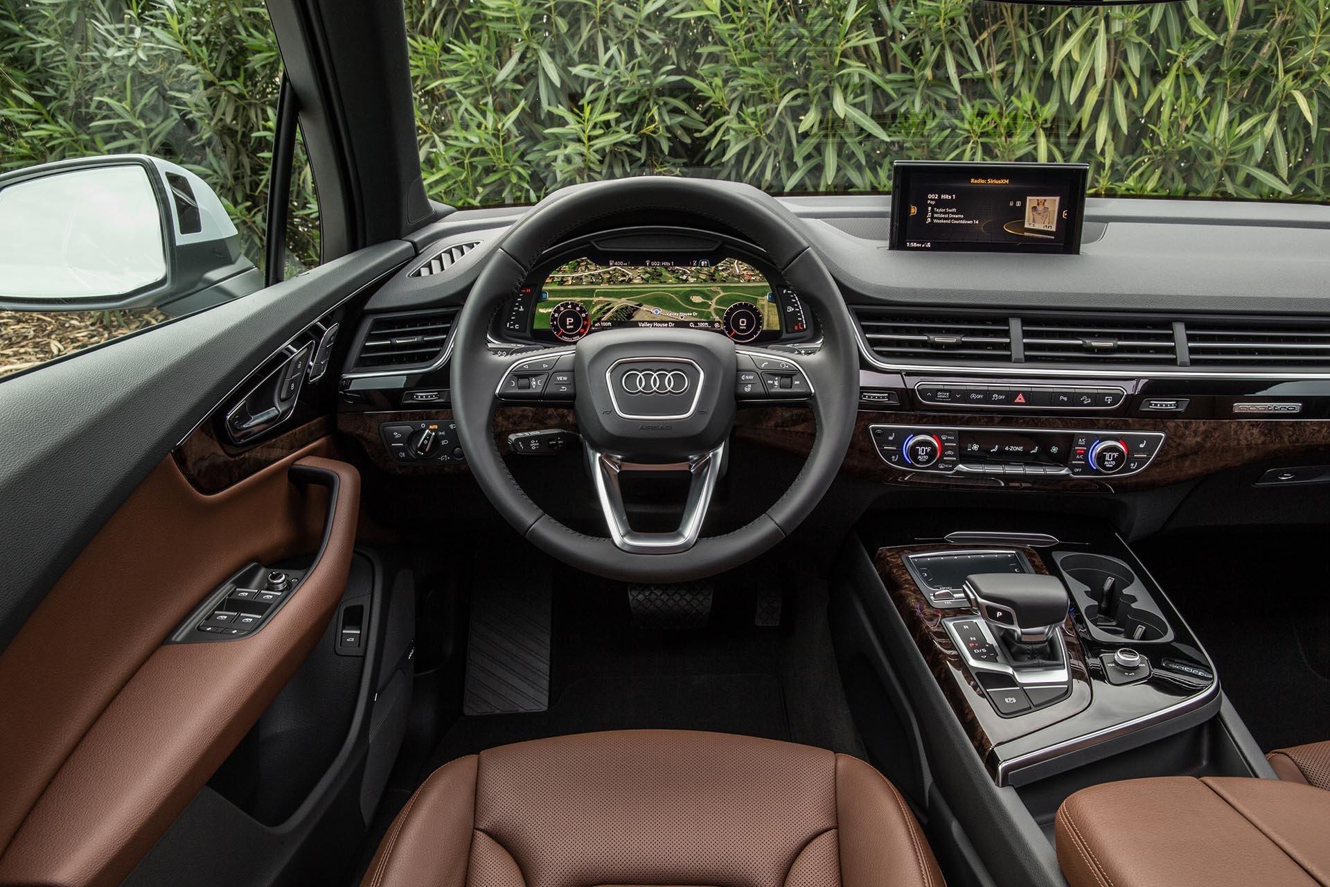 11_2017 Audi Q7 interior