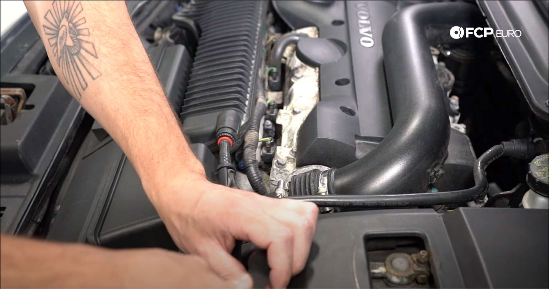 DIY Volvo PCV removing intake clamps