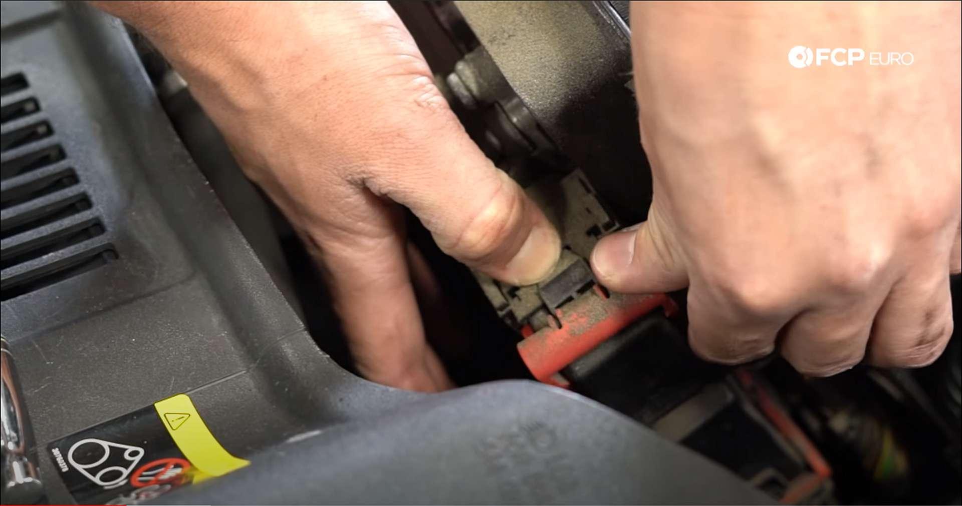 DIY Volvo PCV unplugging ecu