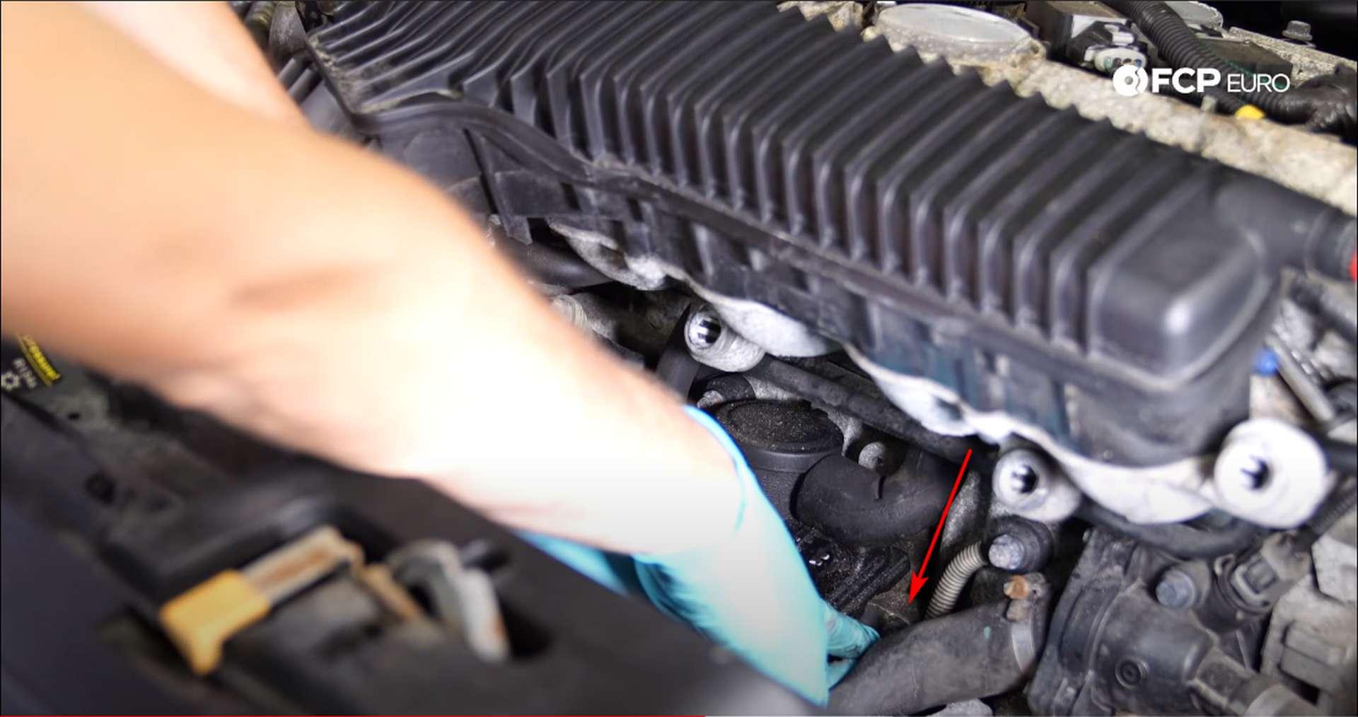 DIY Volvo PCV top bolt location