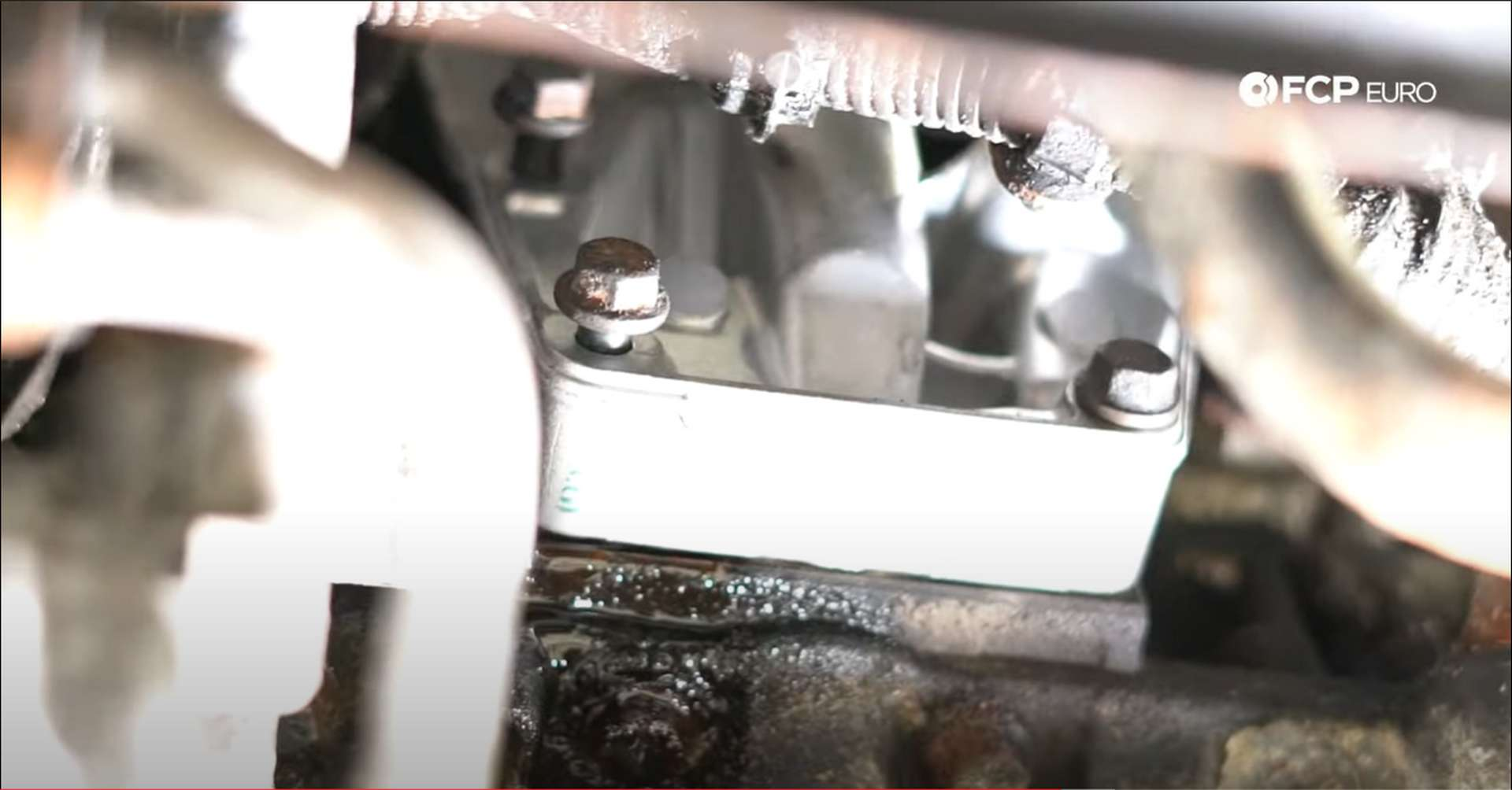 DIY Volvo PCV housing mounting bolt locations