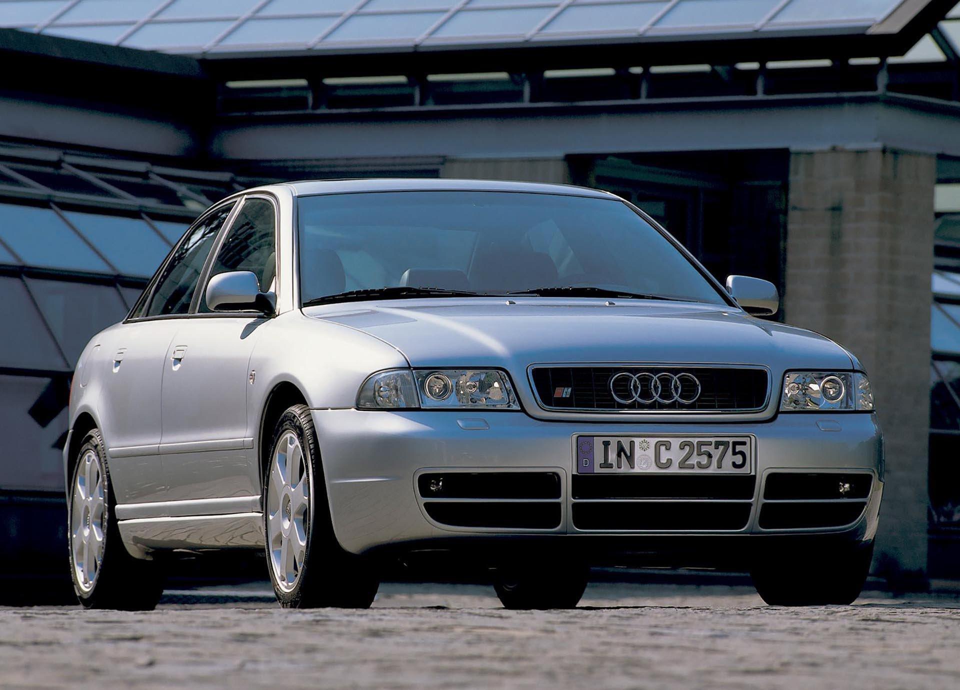 01_B5 Audi S4 2.7t sedan silver front